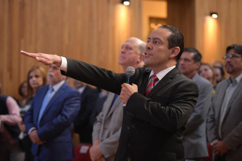 Maestro Alfredo Nájar Fuentes, tomando protesta como Contralor General de esta Casa de Estudio, para el periodo del 1 de junio de 2019 al 31 de mayo de 2025