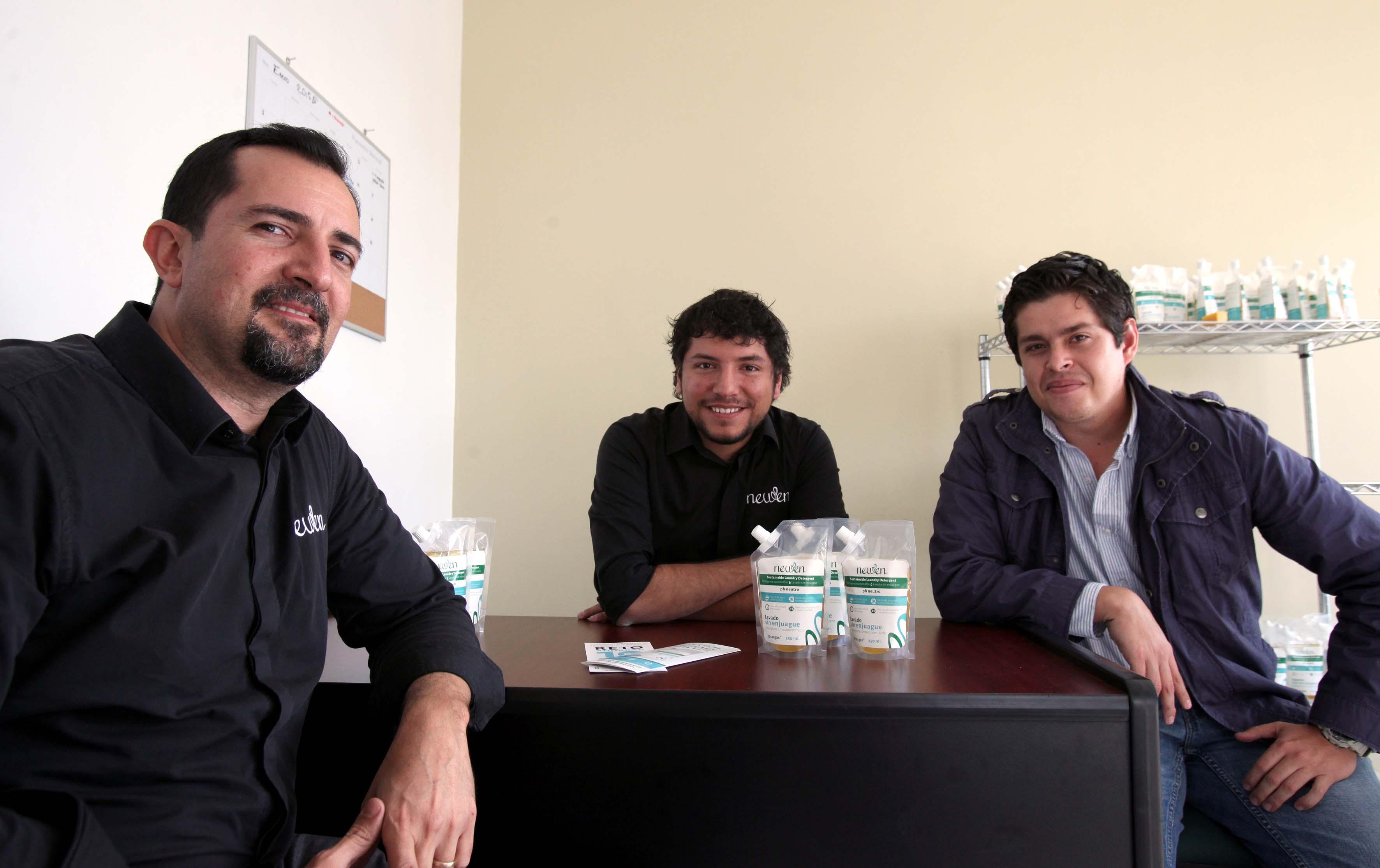 Ganadores del premio emprendedor de México y creadores de Newen