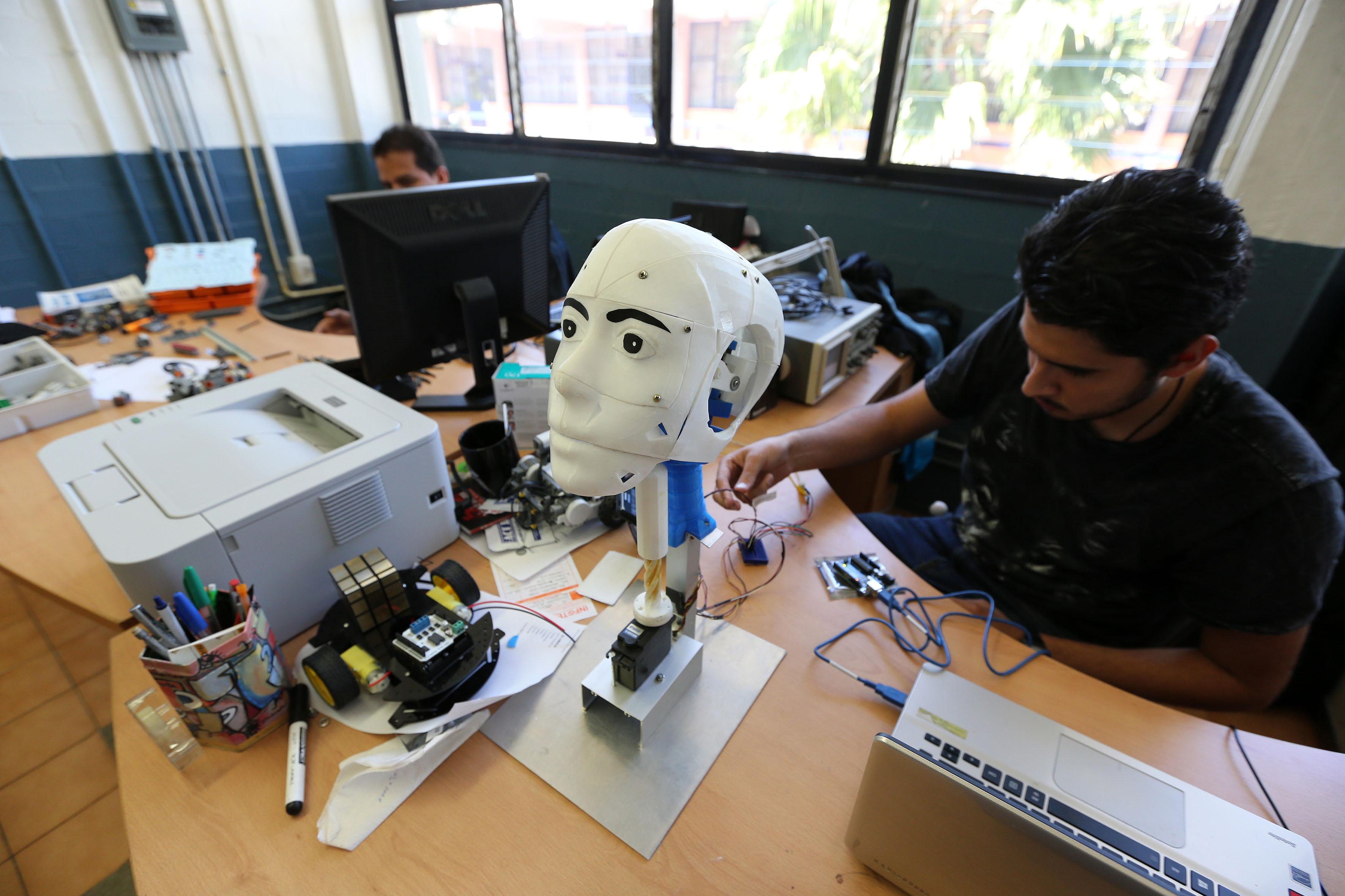 Los robots podrían servir de compañía y auxilio en las labores cotidianas