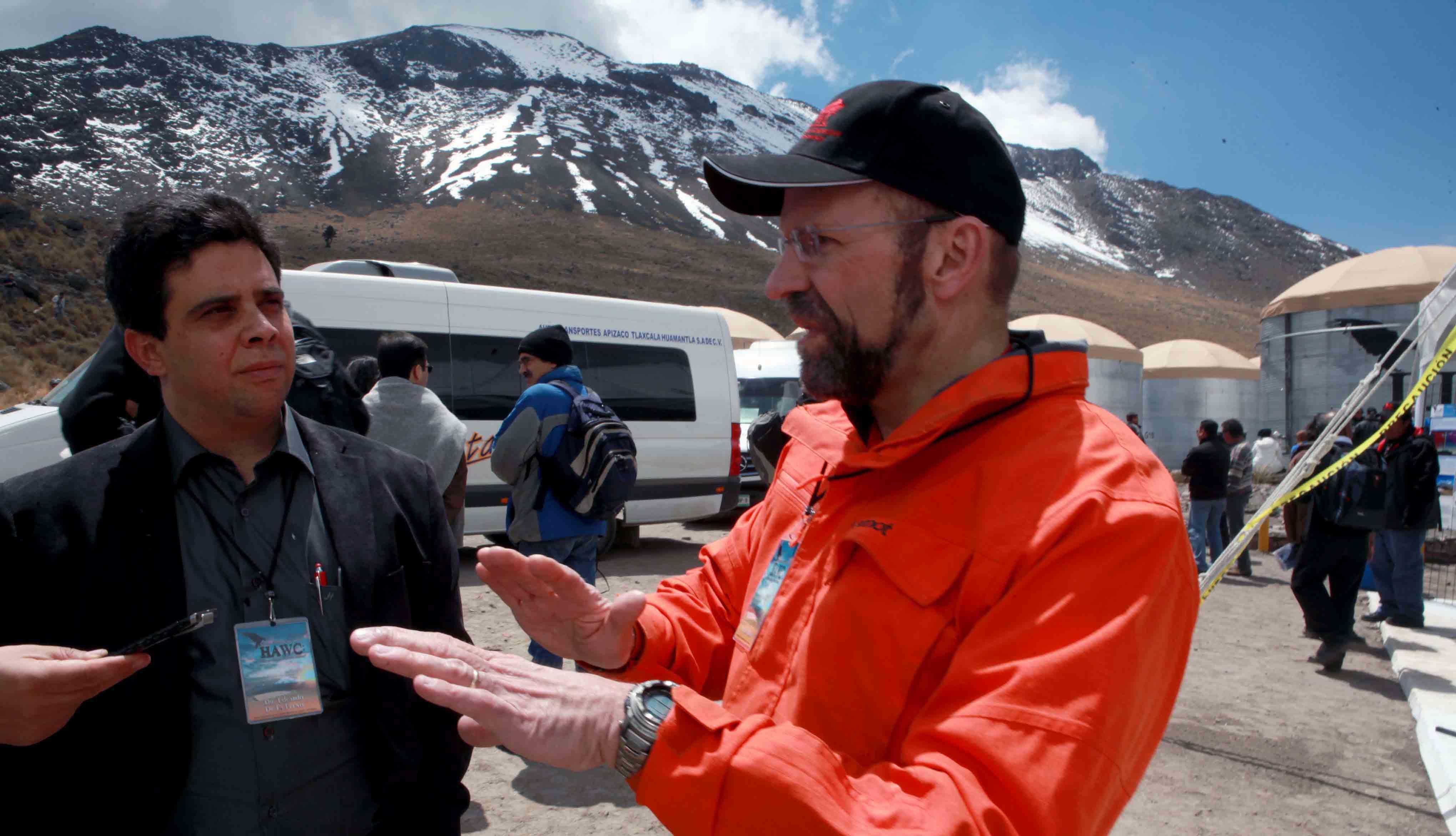 Dr. Eduardo de la Fuente Acosta en entrevista