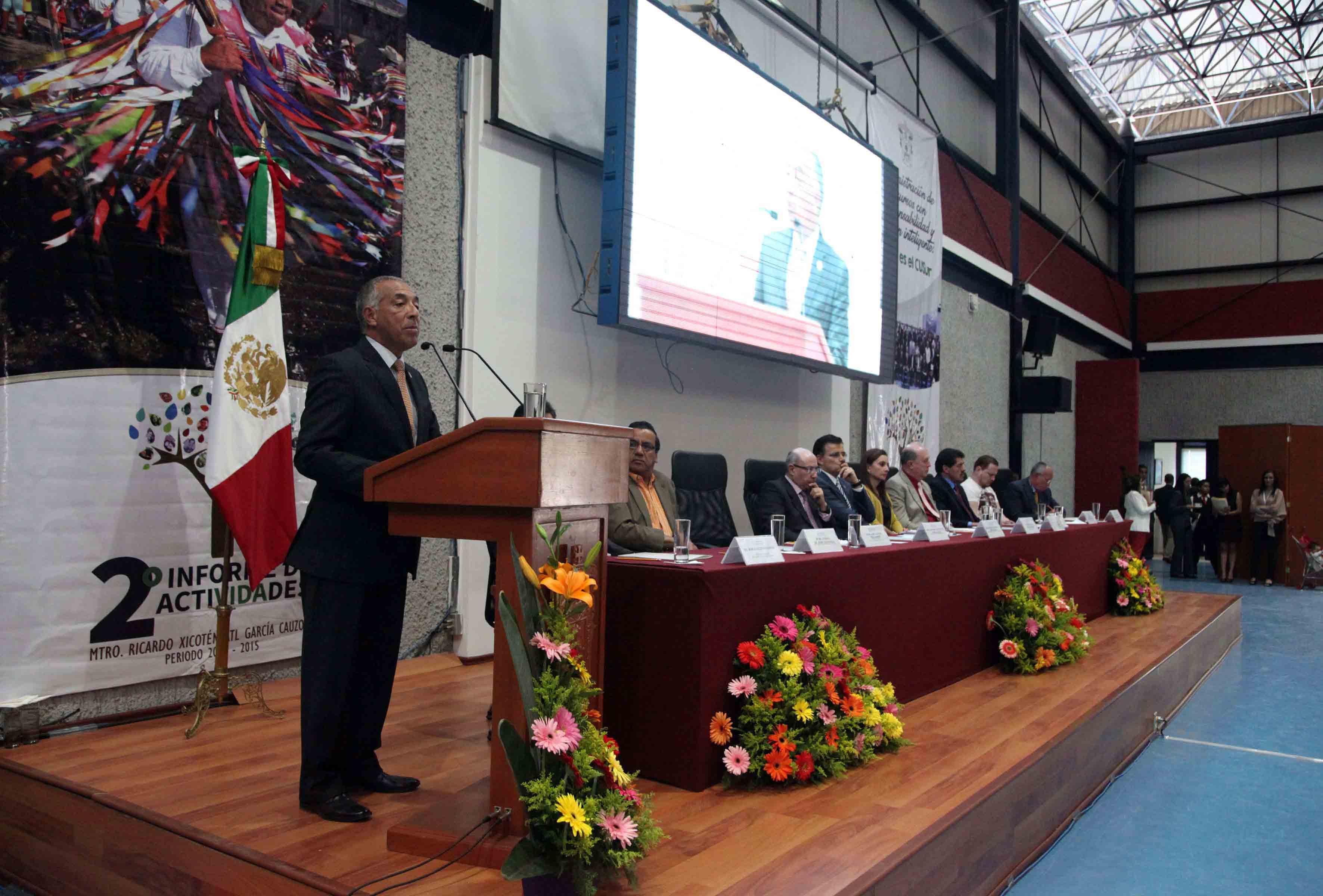Apertura del segundo Informe de actividades del maestro Ricardo Xicoténcatl García Cauzor, Rector del CUSur.