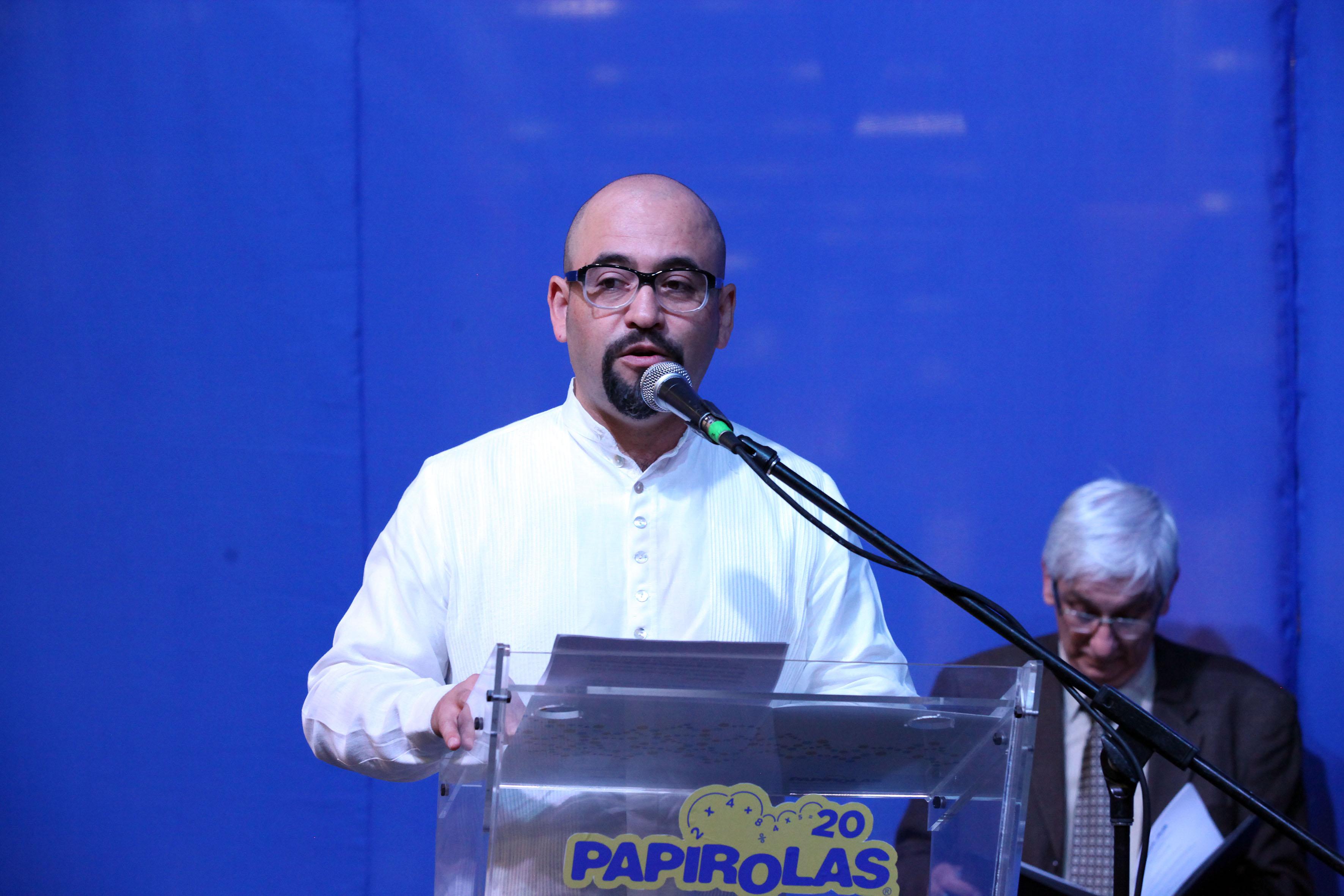 Participante en la inauguración de papirolas haciendo uso de la palabra