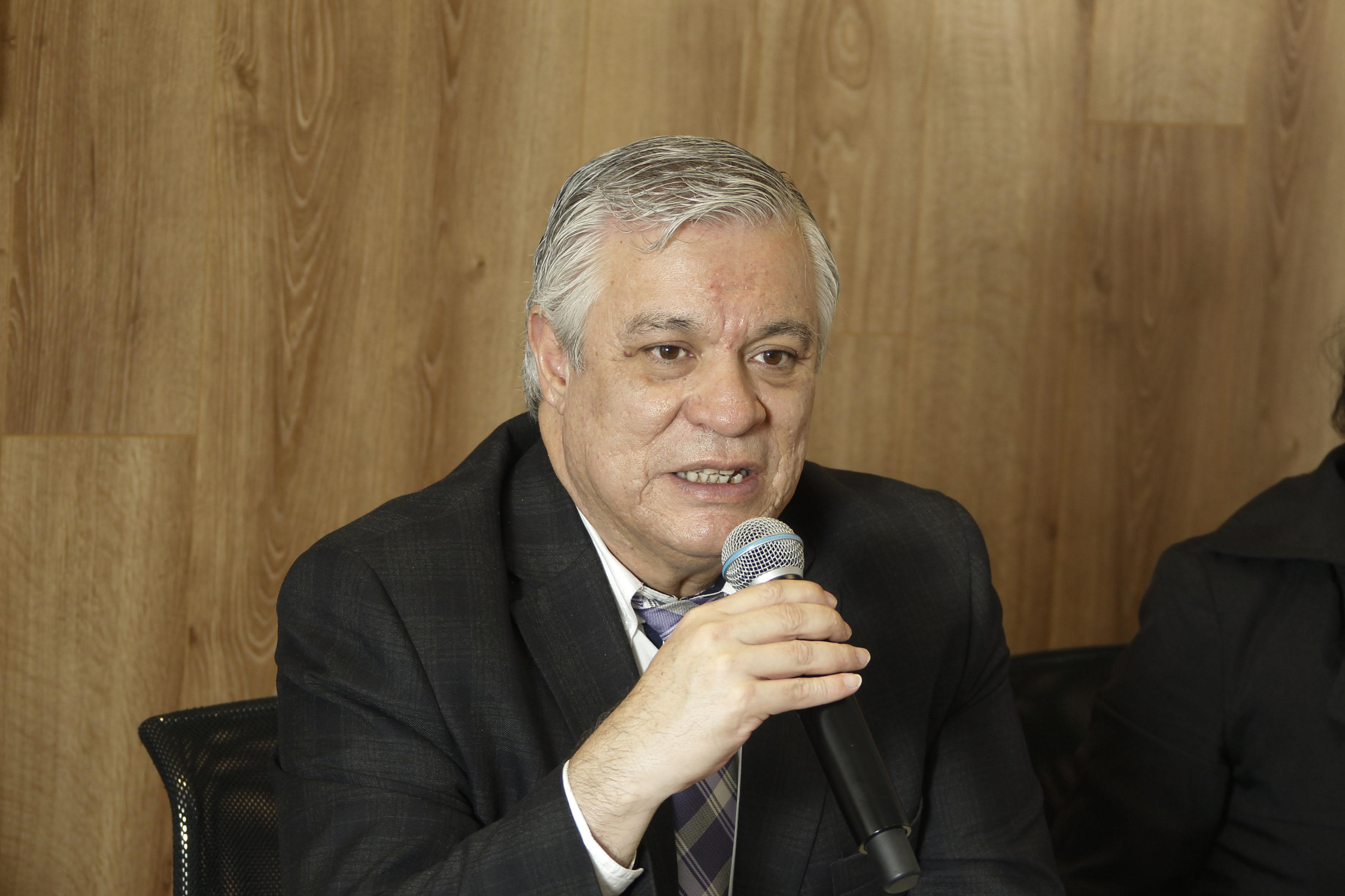 Rector del CULagos, Armando Zacarías Castillo