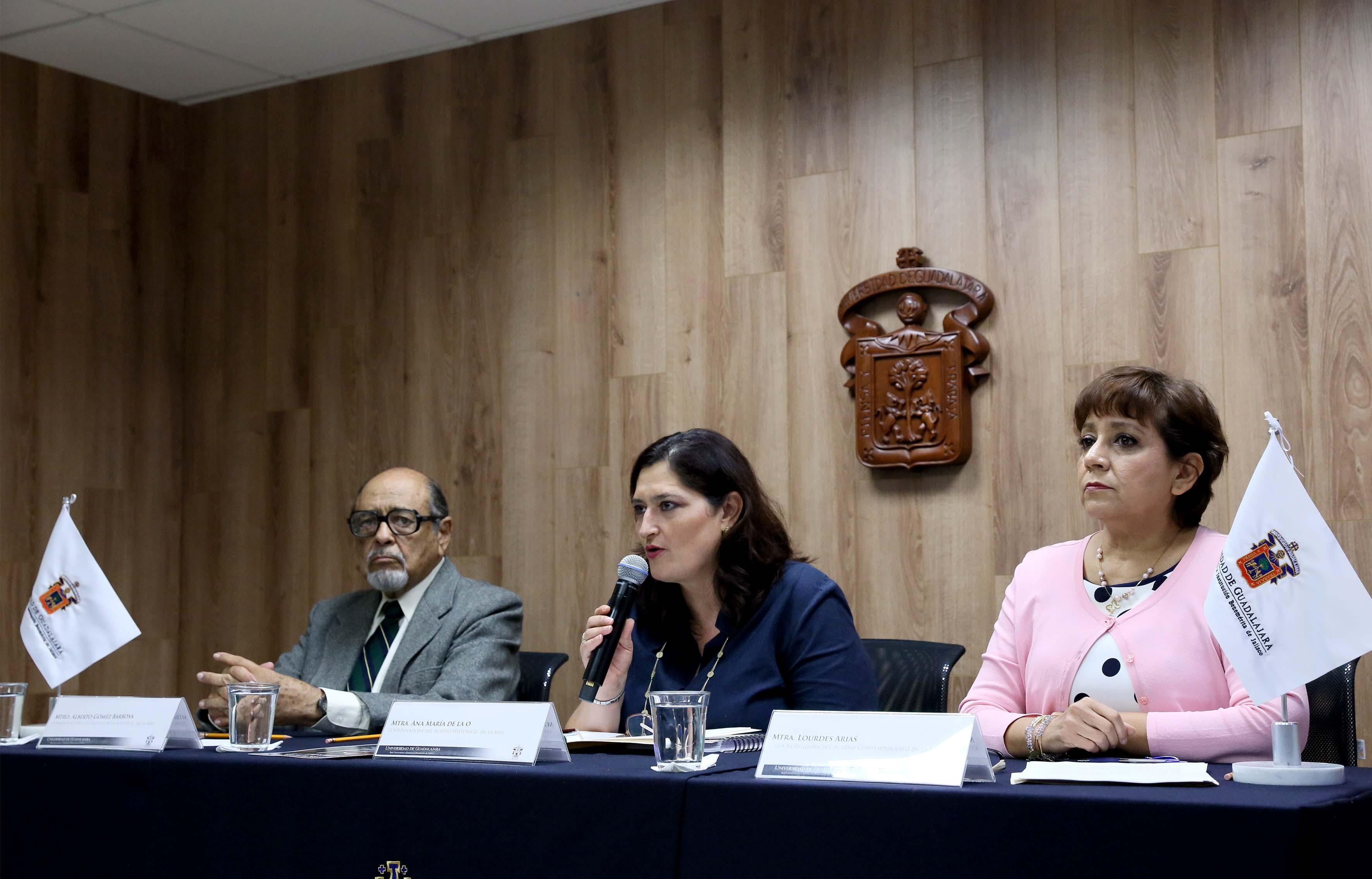 Rueda de prensa para anunciar la fecha de inauguración de la fototeca de Jalisco en la BPEJ