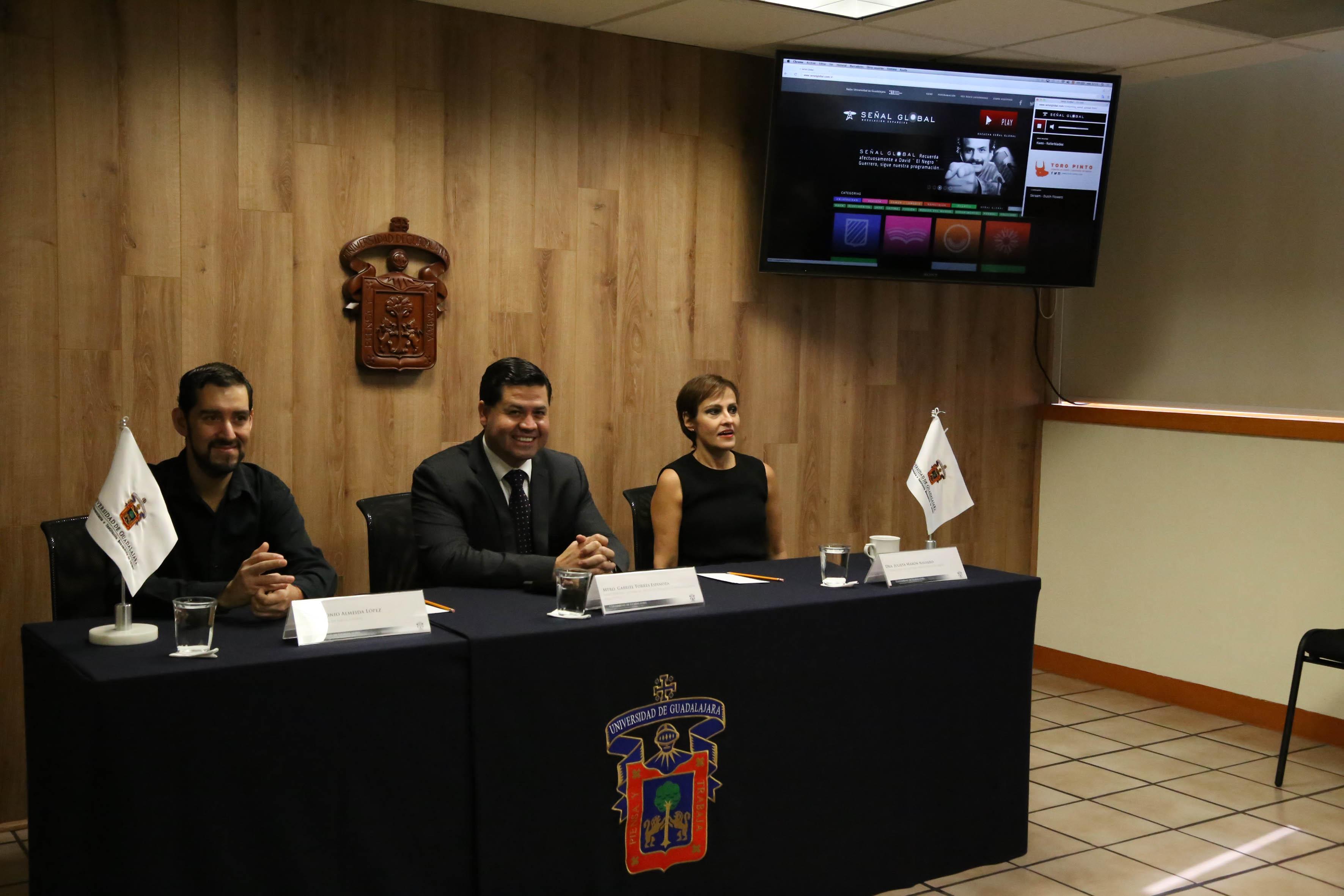 Panel de la Rueda de Prensa en lanzamiento del Portal