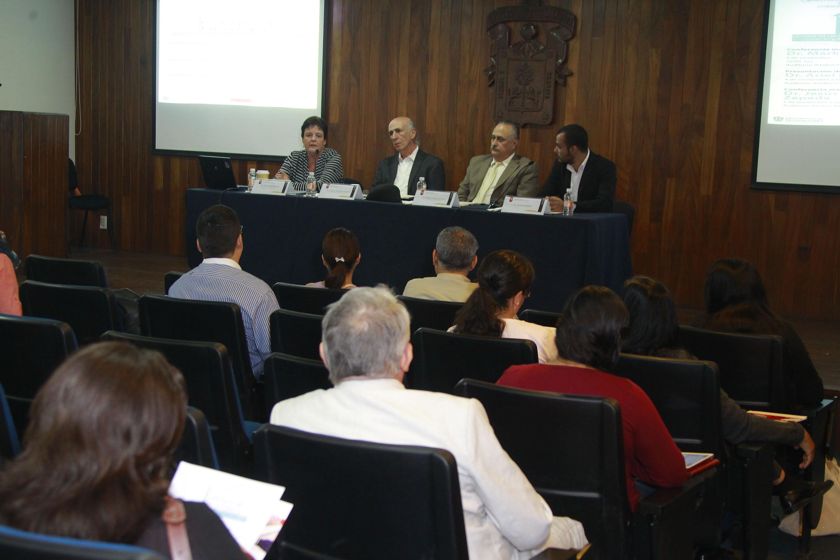 1er Coloquio de Ética Pública, en el Auditorio Adalberto Navarro Sánchez Del Centro Universitario de Ciencias Sociales y Humanidades (CUCSH).