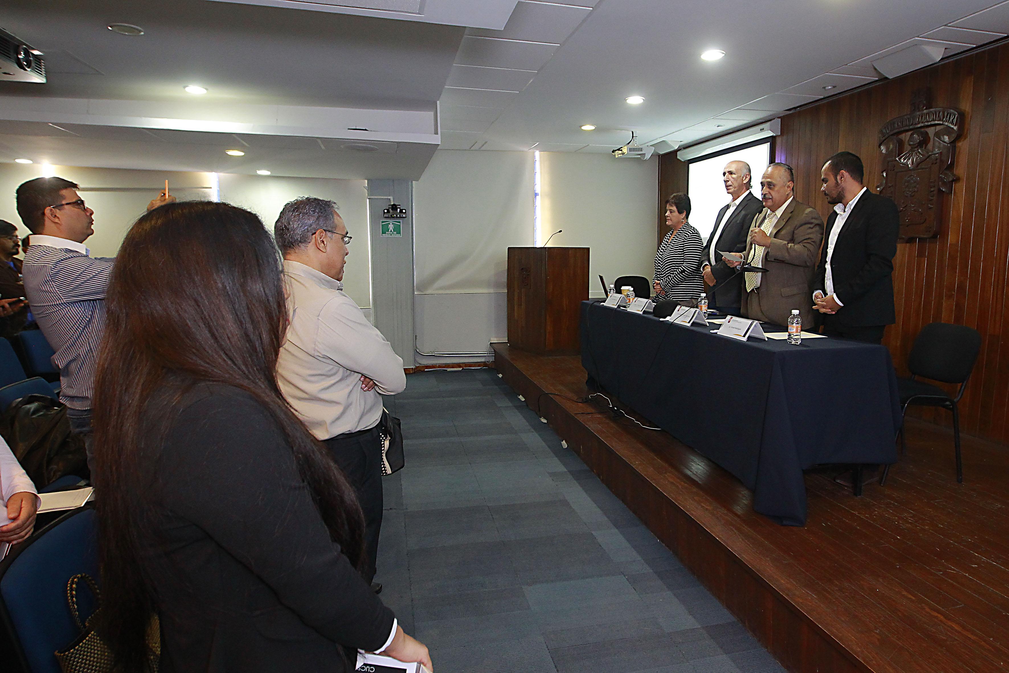 Ponentes y publico asistente al  1er Coloquio de Ética Pública