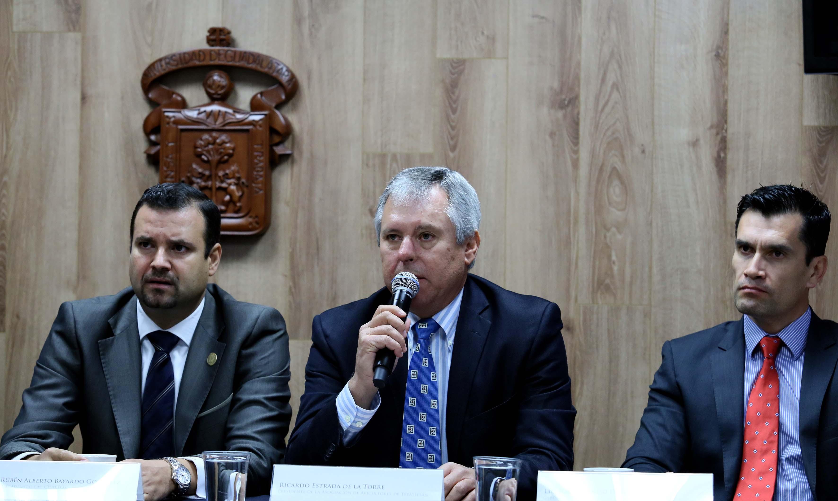 Licenciado Ricardo Estrada de la Torre, presidente de la Asociación de Avicultores de Tepatitlán.