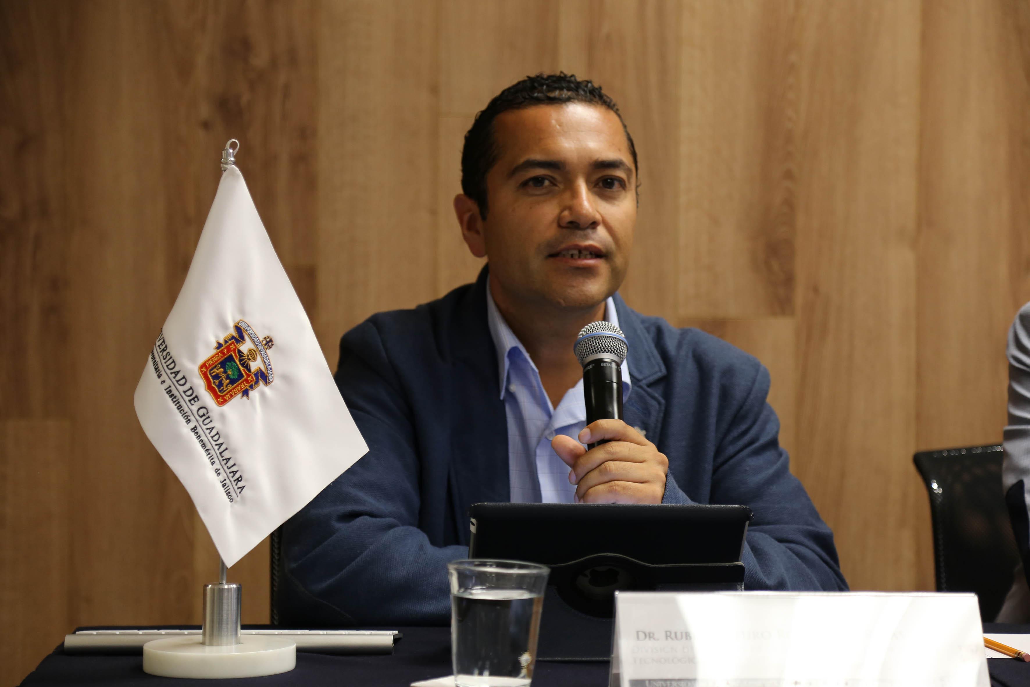El Dr. Rubén Arturo Rodríguez Rojas