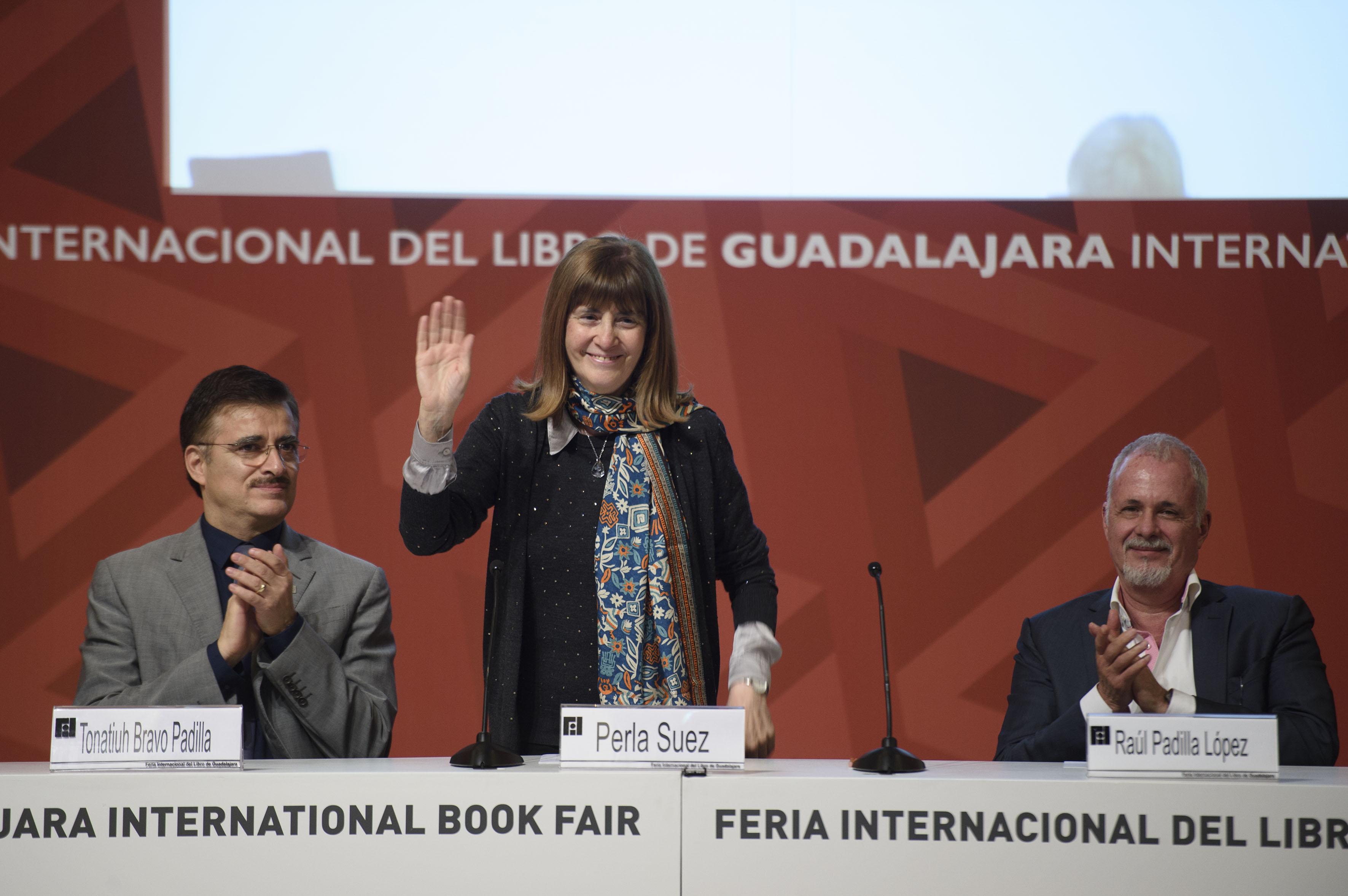 Lic. en Letras Modernas, fundadora y directora del Centro de Difusión e Investigación de Literatura Infantil y Juvenil Perla Suez