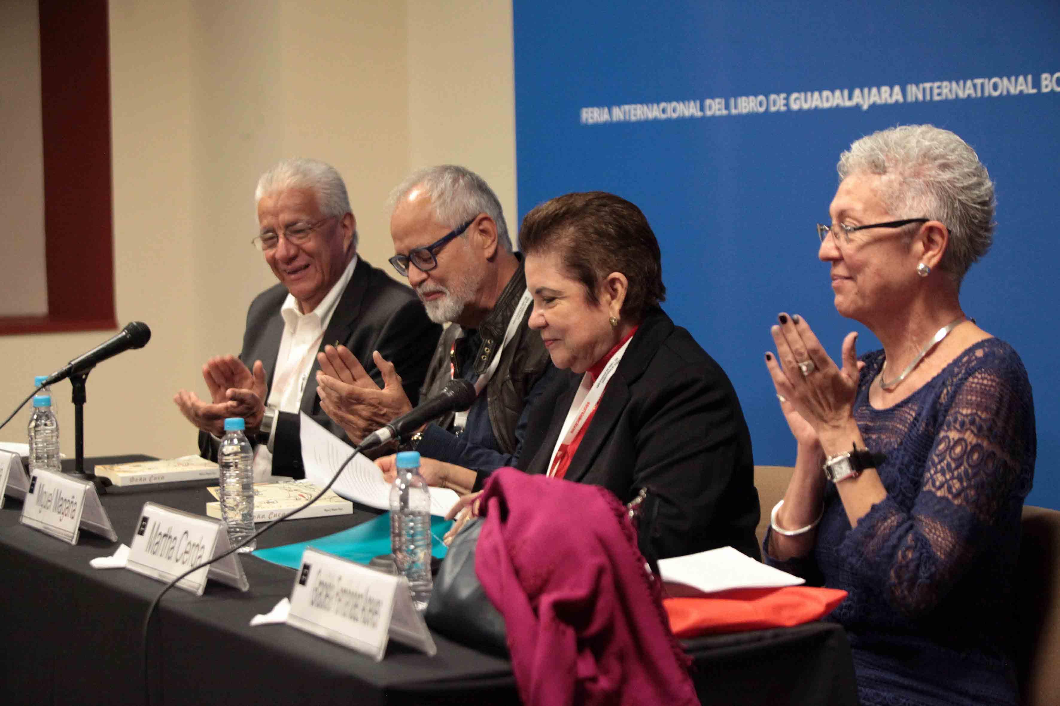 Ceremonia de presentación de la novela titulada Doña Cuca, en Feria Internacional del Libro de Guadalajara.