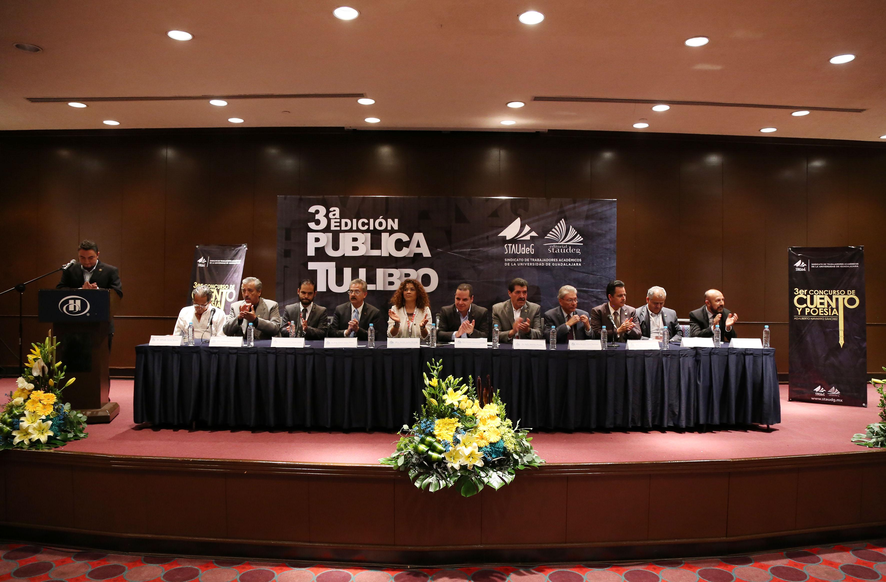 """Panelistas participantes del """"Concurso de cuento y poesía Adalberto Navarro Sánchez"""""""