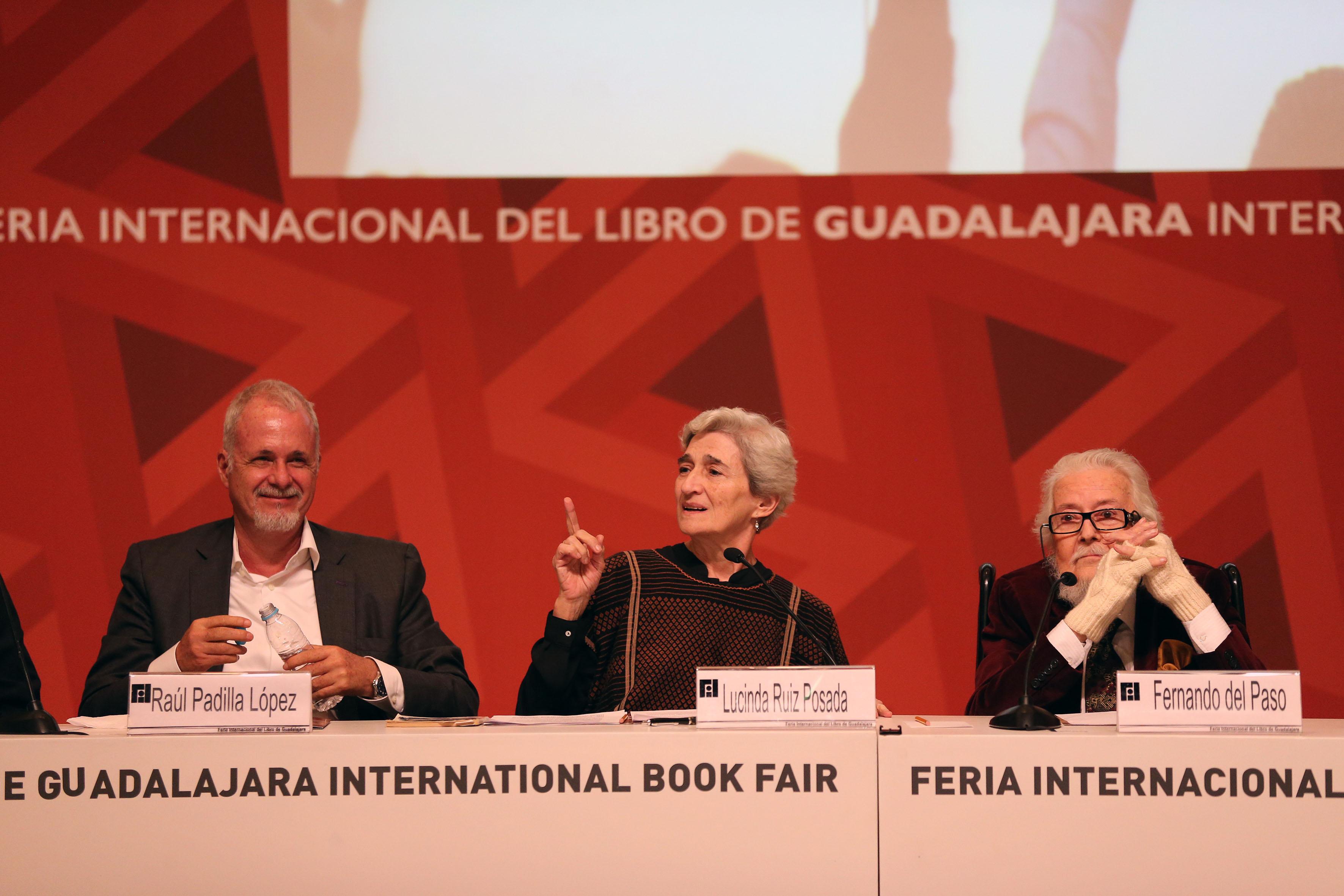 Lucinda Ruiz Posada, viuda de Gutiérrez Vega, Fernando del Paso y Raúl Padilla López