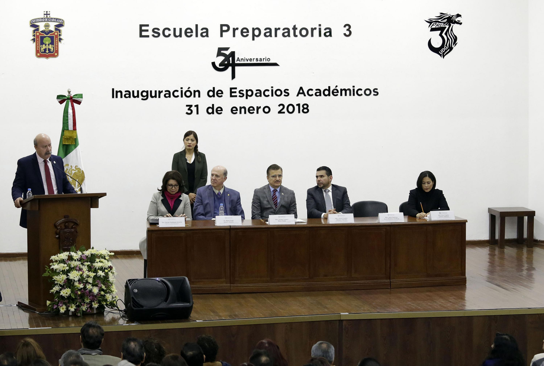 Director General del SEMS, maestro Javier Espinoza de los Monteros Cárdenas, haciendo uso de la palabra