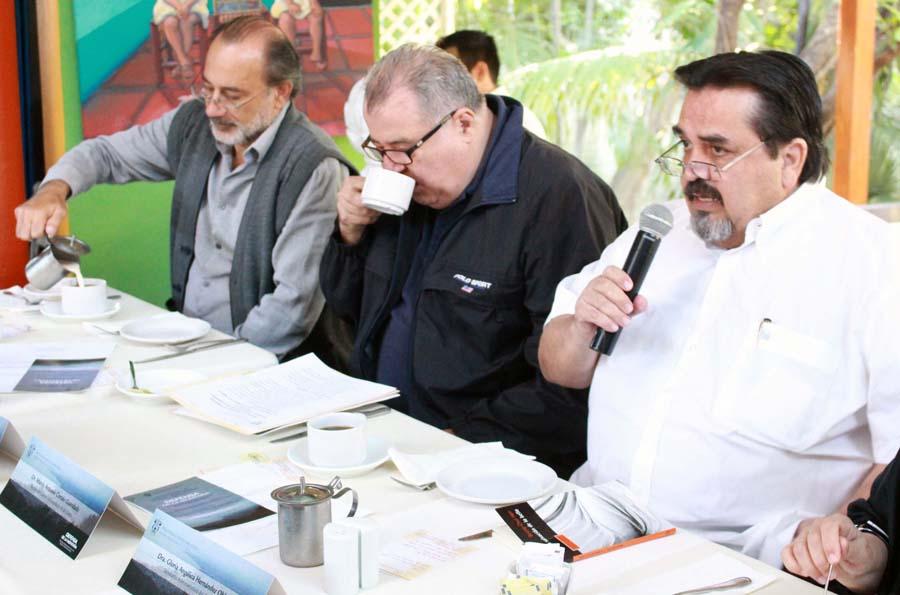 Dr. Marco Antonio Cortés Guardado, encabezando el Comité Universitario de Análisis Regional del CUCosta