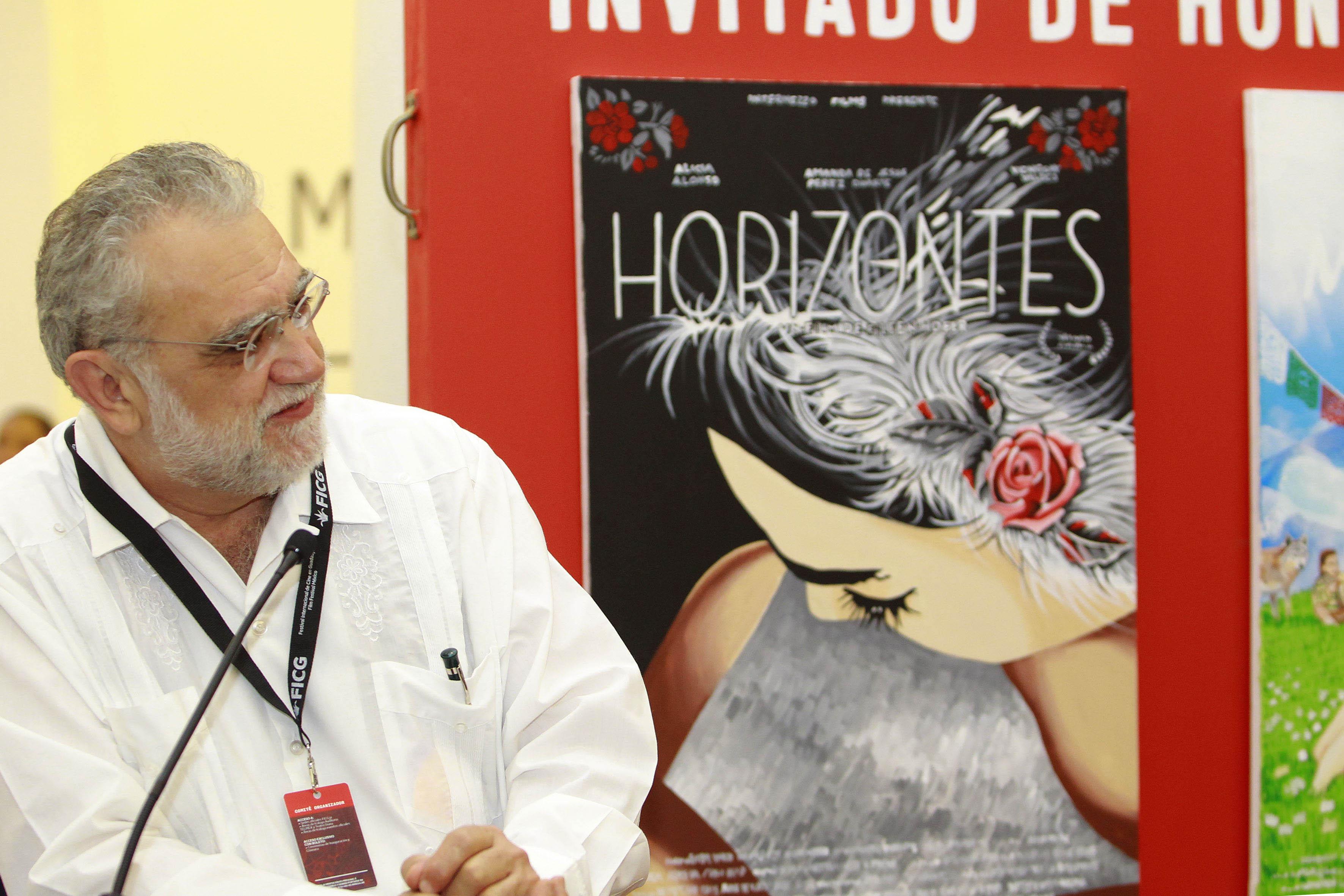 Director del FICG, biólogo Iván Trujillo durante la ceremonia de acto inaugural  del Mercado de Cine del Festival Internacional de Cine en Guadalajara (FICG)