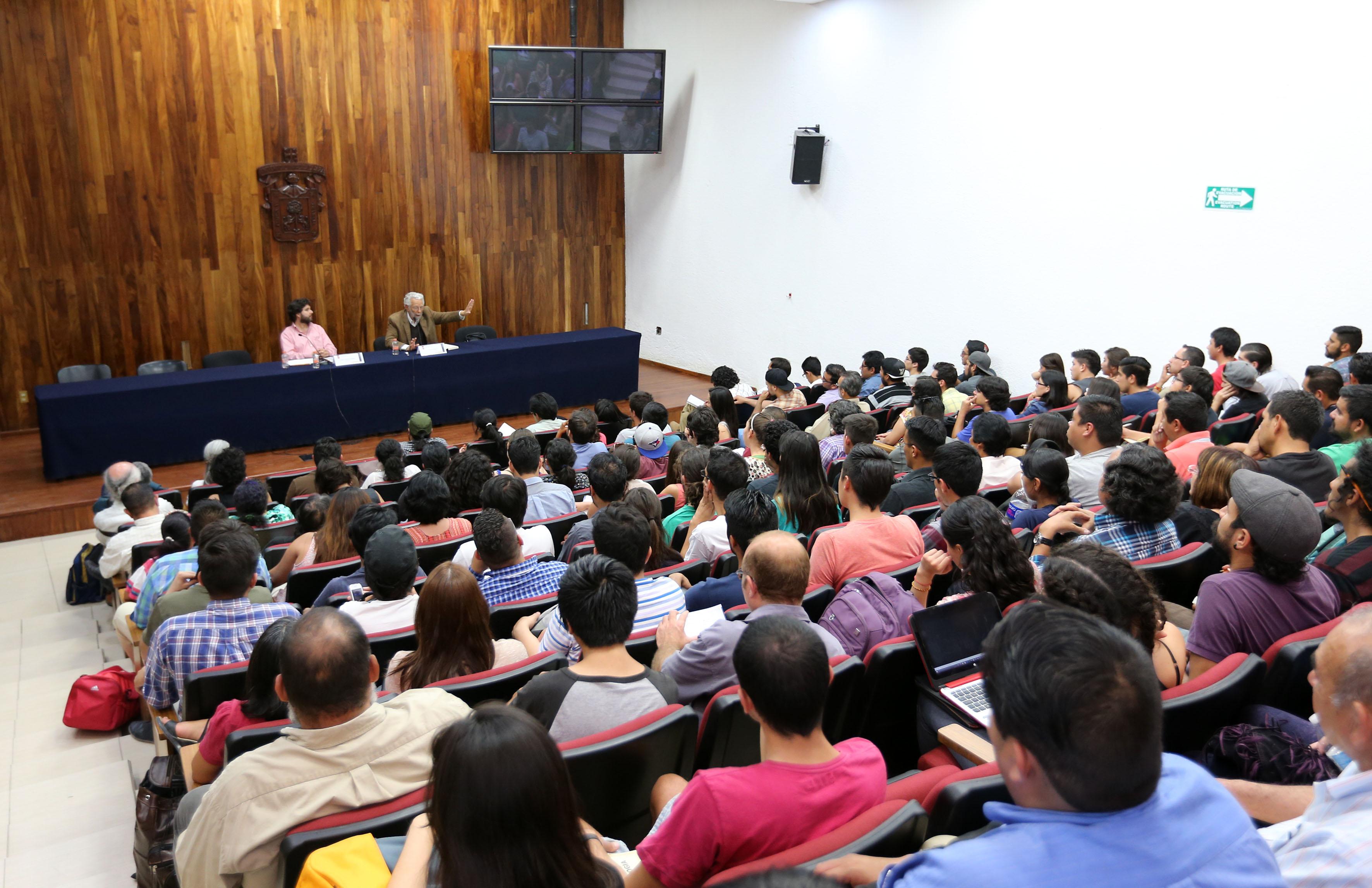 """Publico asistente a la conferencia """"Filosofía y política de la Liberación. Reflexiones sobre el pensamiento de Enrique Dussel"""""""