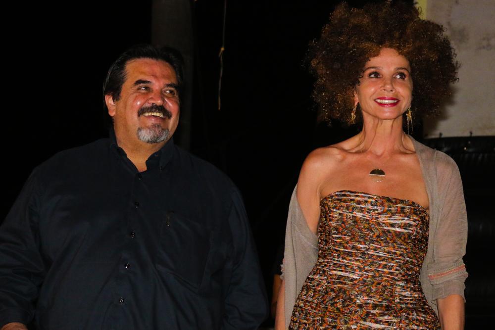Rector del CUCosta, doctor Marco Antonio Cortés Guardado y Victoria Abril