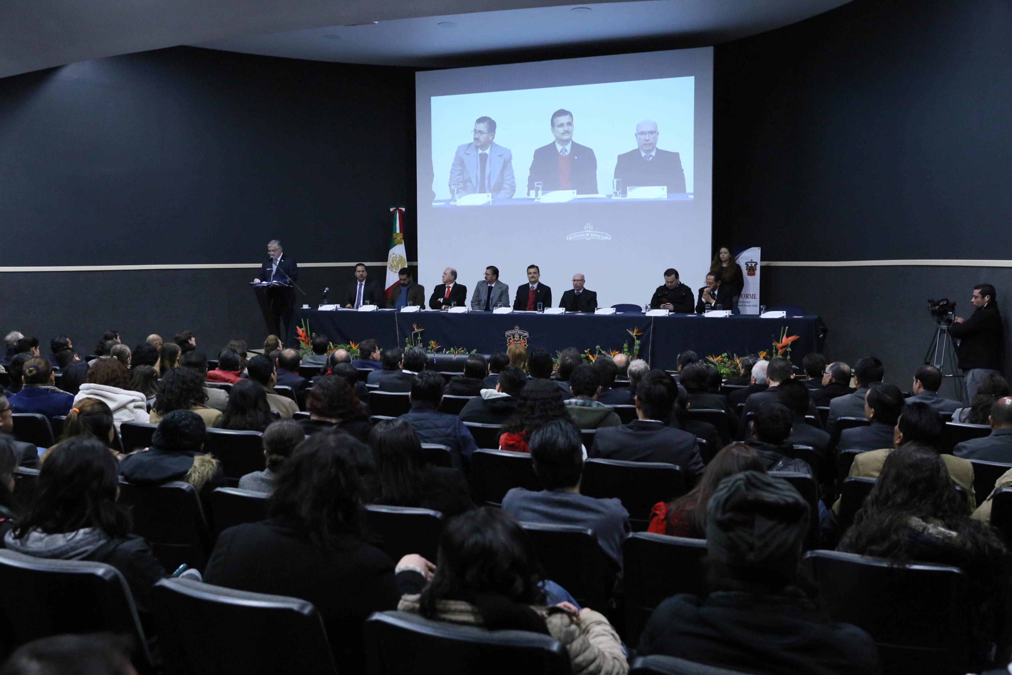Informe de actividades del Rector del Centro Universitario de los Lagos, doctor Armando Zacarías Castillo
