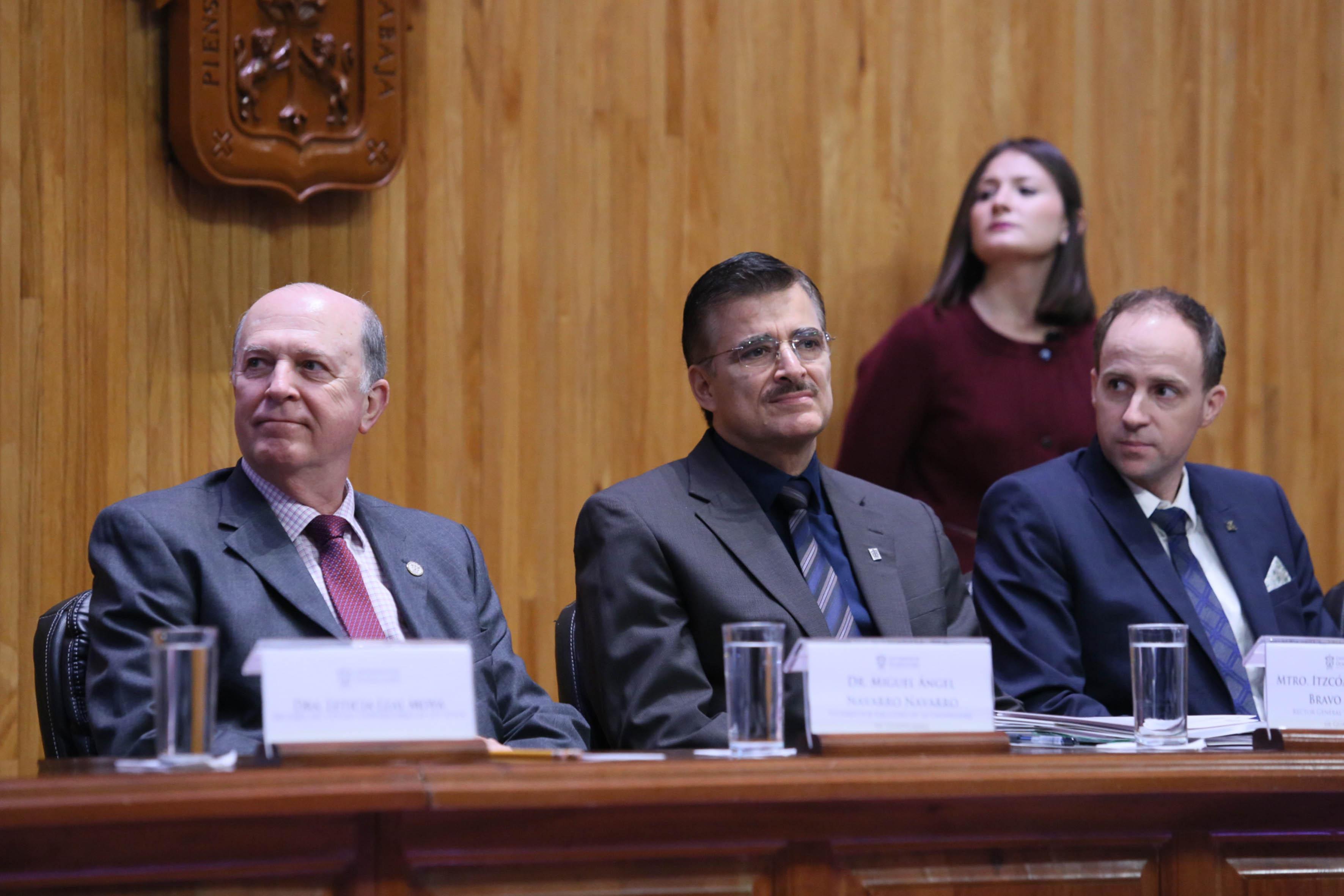 Máxima autoridades Universitarias de la UdeG, presentes en la acreditación internacional.