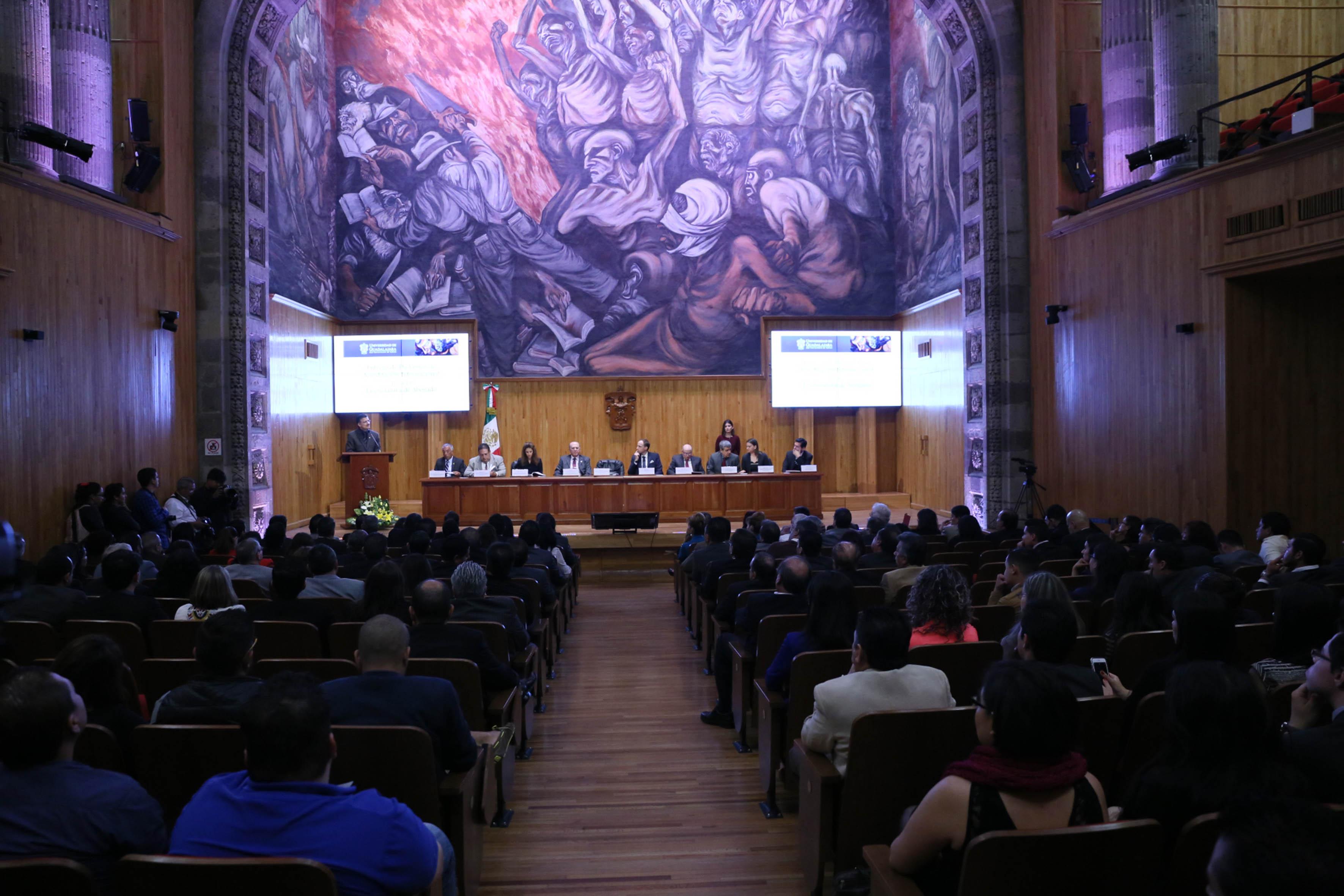 Vista panorámica del evento de acreditación internacional de la licenciatura de abogado, llevado a cabo en el Paraninfo Enrique Díaz de León.