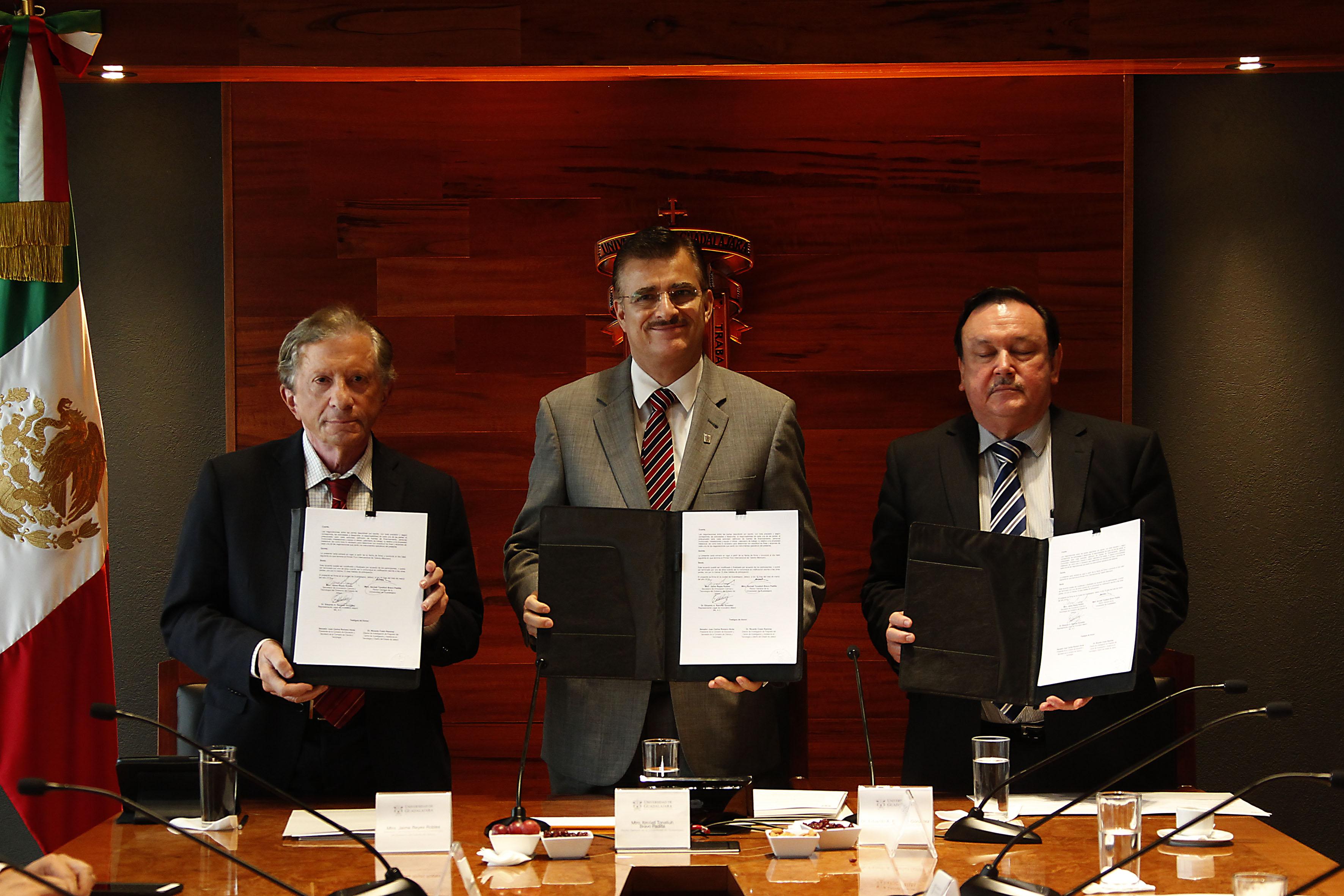 Rector general Itzcóatl Tonatiuh Bravo Padilla en firma Carta de Intención con la Secretaría de Innovación, Ciencia y Tecnología de Jalisco e Innovation Match MX