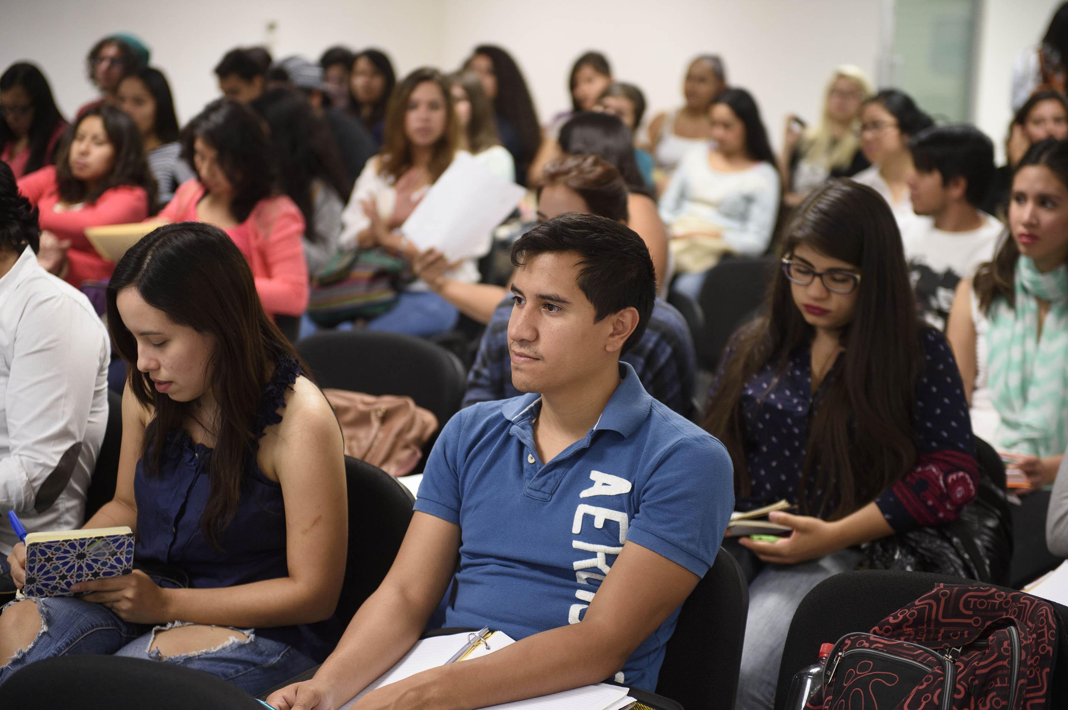 Publico asistente a la conferencia