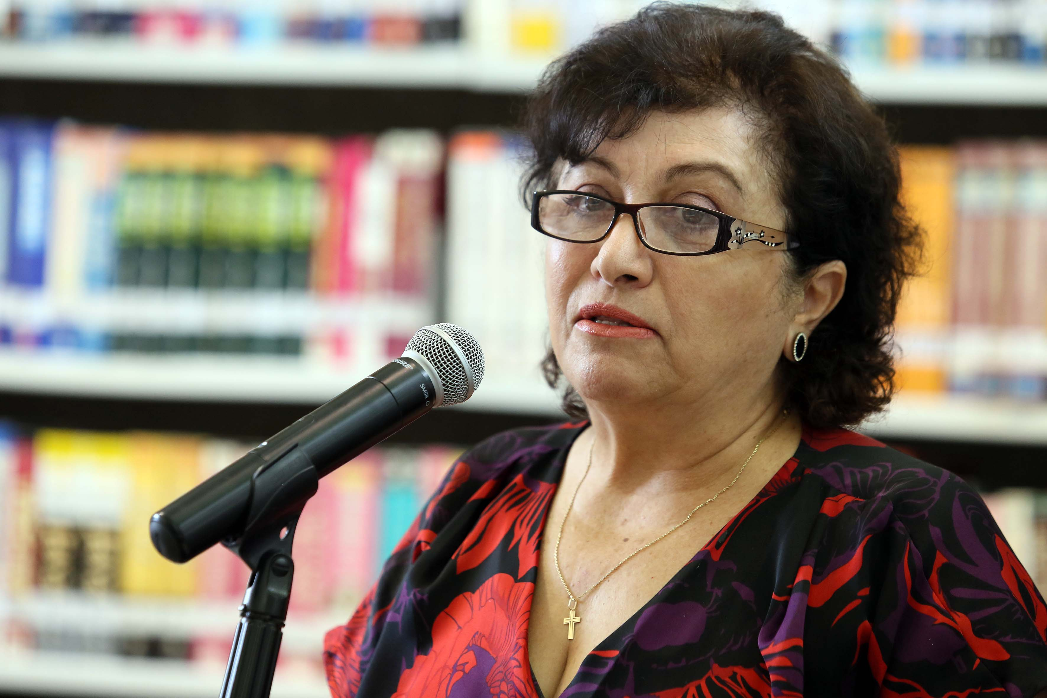 Dra. Elia Marúm Espinosa haciendo uso de la palabra