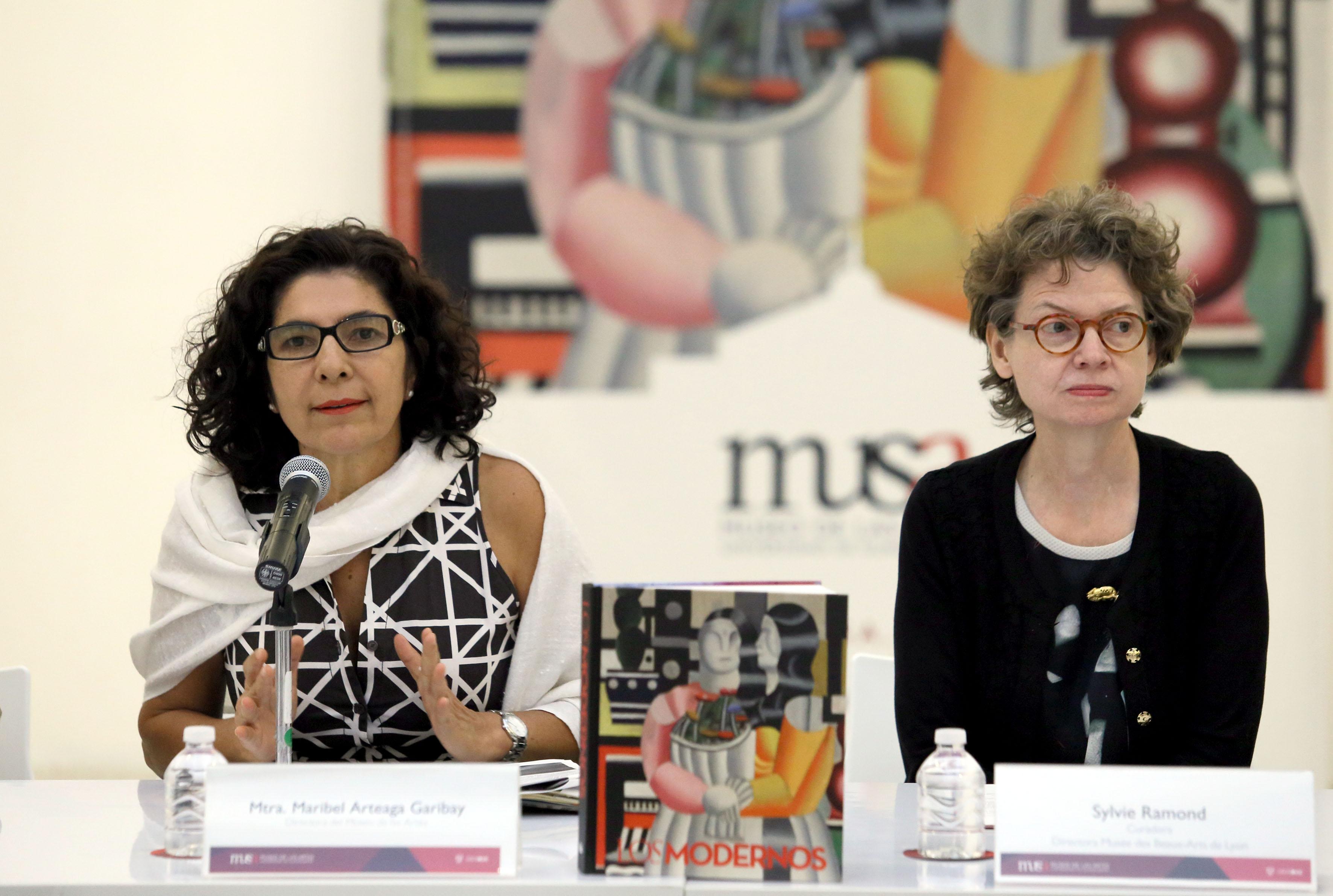 """Mtra. Maribel Arteaga Garibay directora del museo de las artes en la inauguración de la exposición """"Los Modernos"""""""