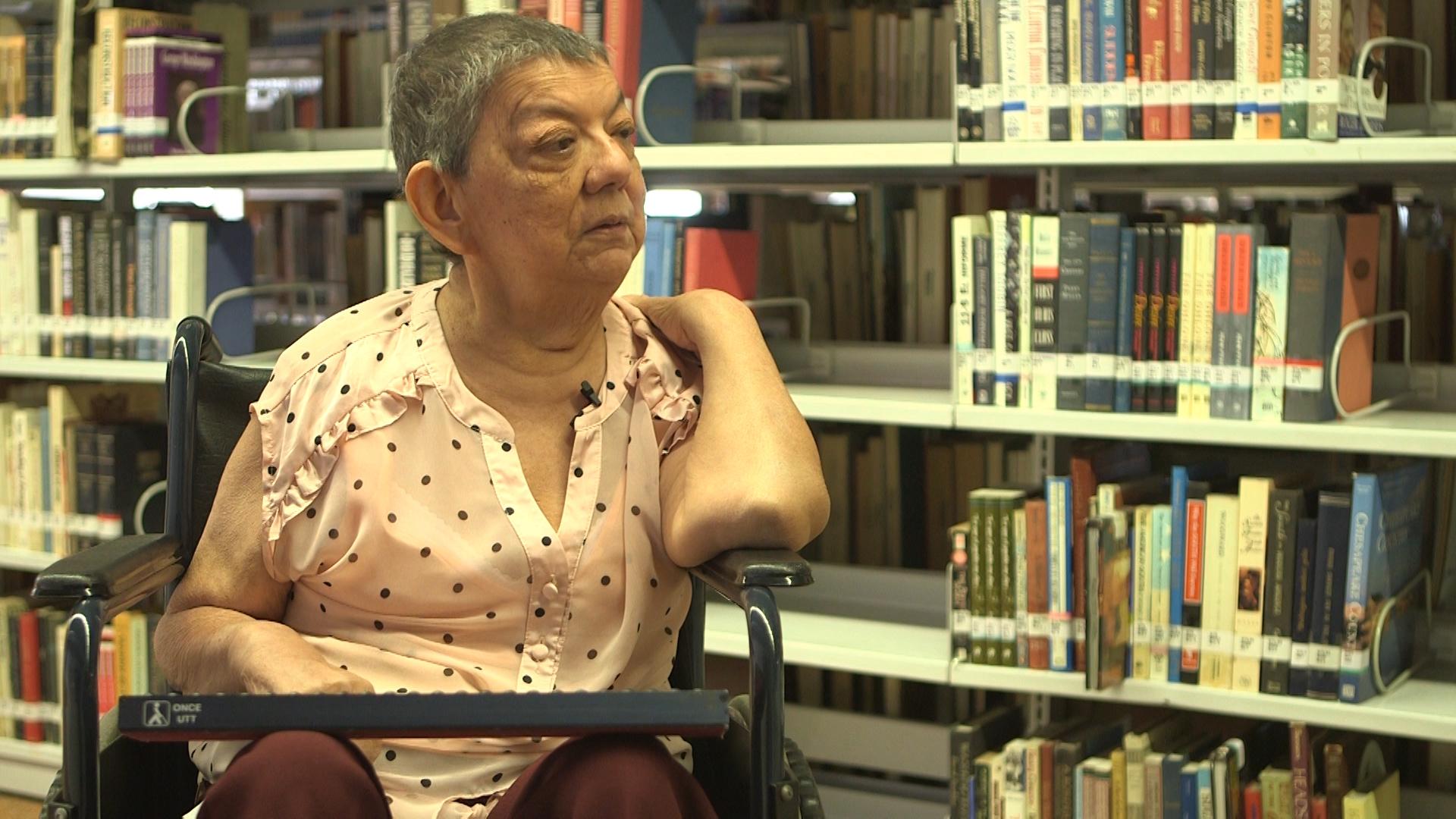 Persona de la tercera edad con discapacidad