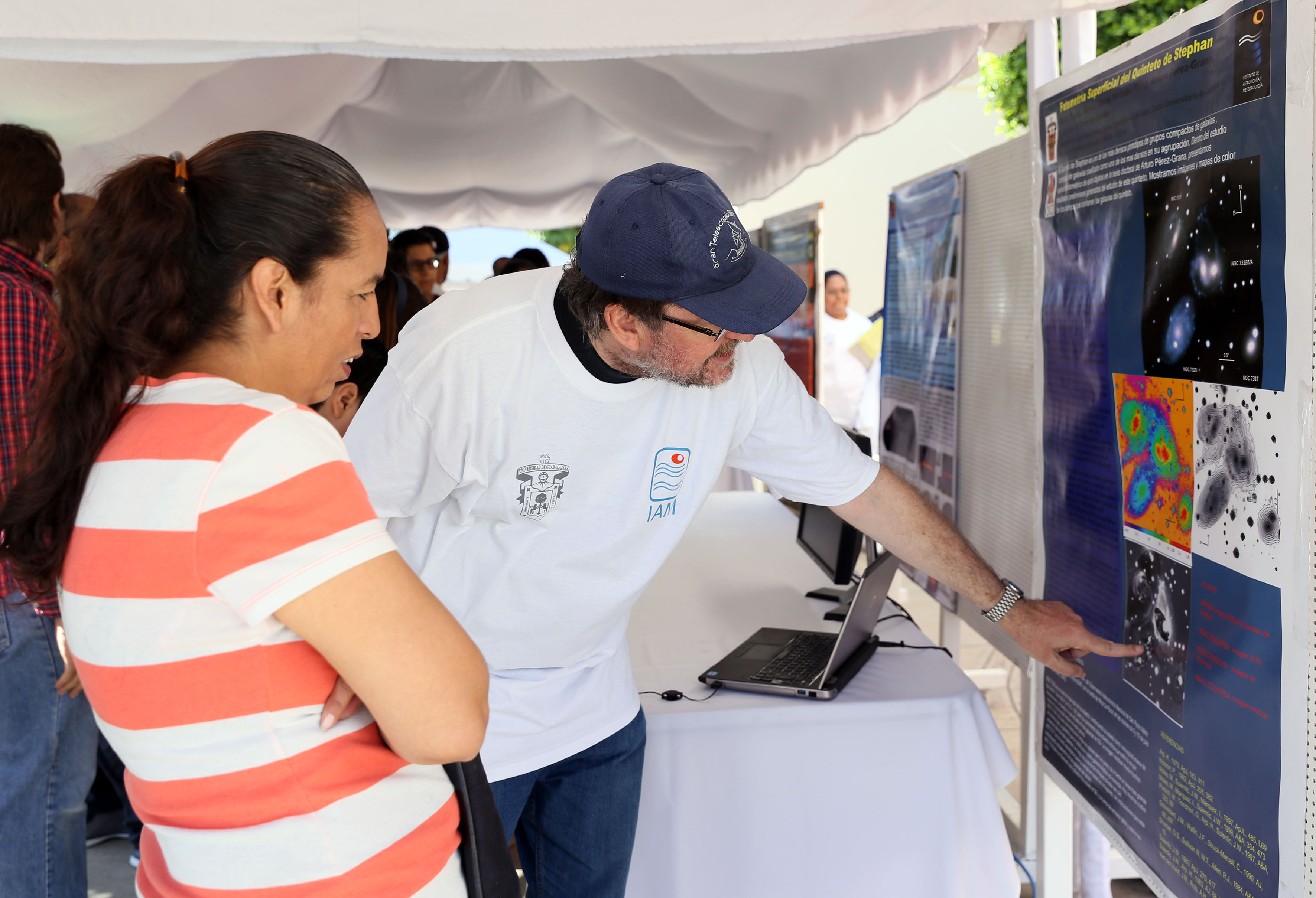 Participantes al evento Puertas Abiertas 2016 en el Instituto de Astronomía y Meteorología (IAM) de la Universidad de Guadalajara,