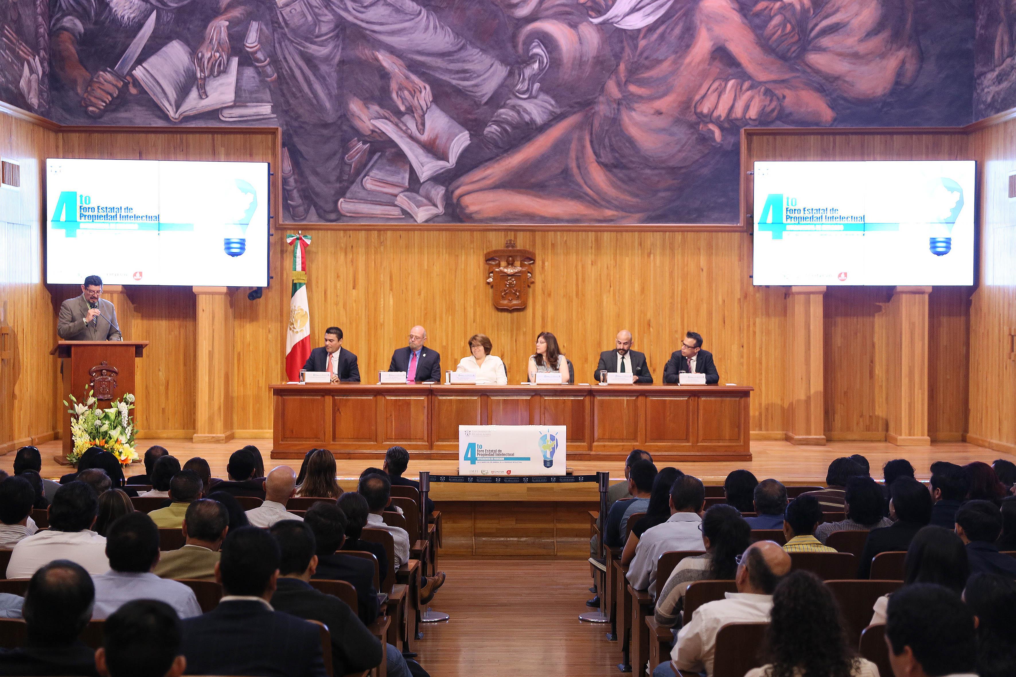 4to Foro Estatal de Propiedad Intelectual organizado por la Coordinación de Vinculación y Servicio Social de la Universidad de Guadalajara y la Universidad del Valle de Atemajac.
