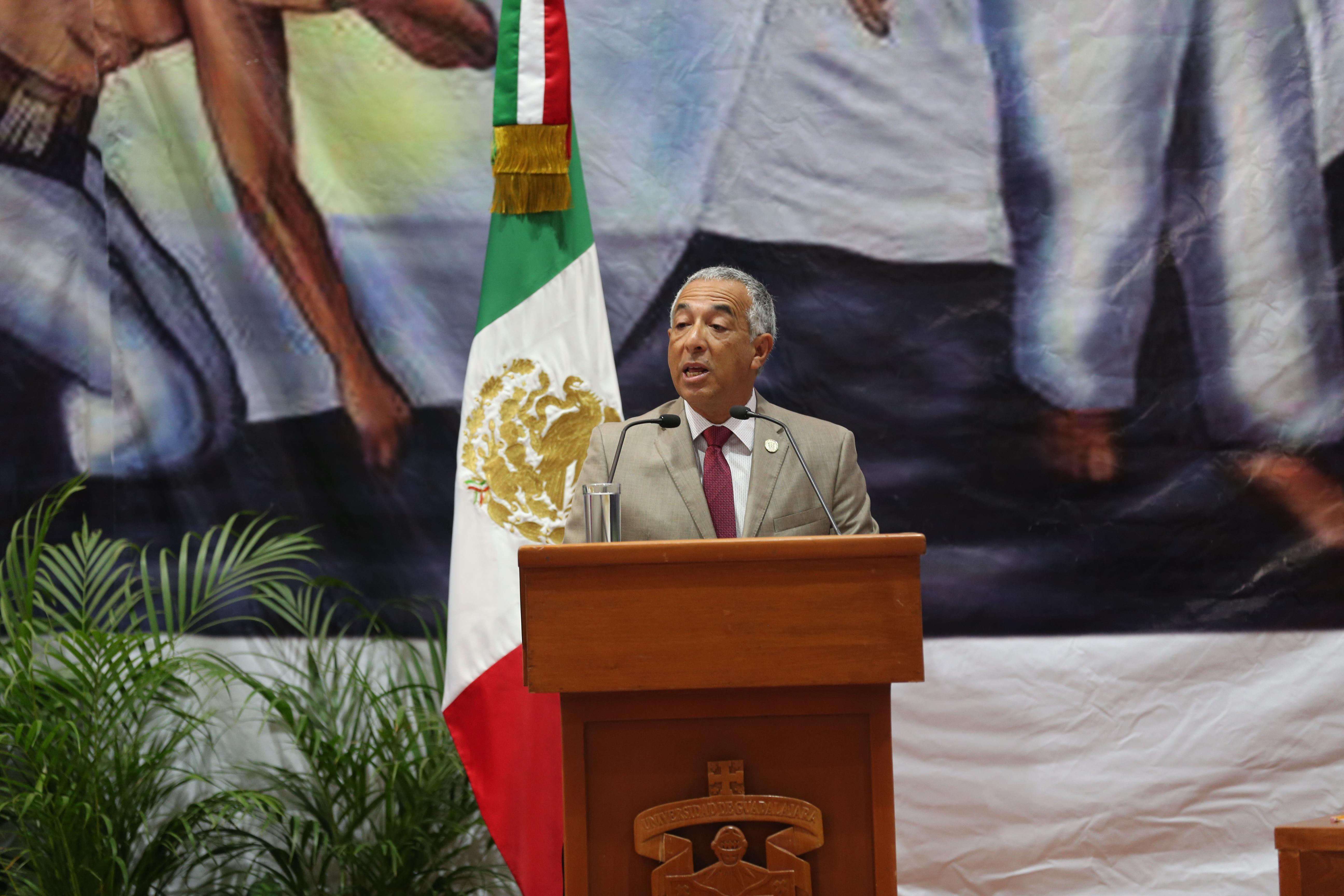 Rector del Centro Universitario del Sur (CUSur), para el periodo 2016-2019, el doctor Ricardo Xicoténcatl García Cauzor