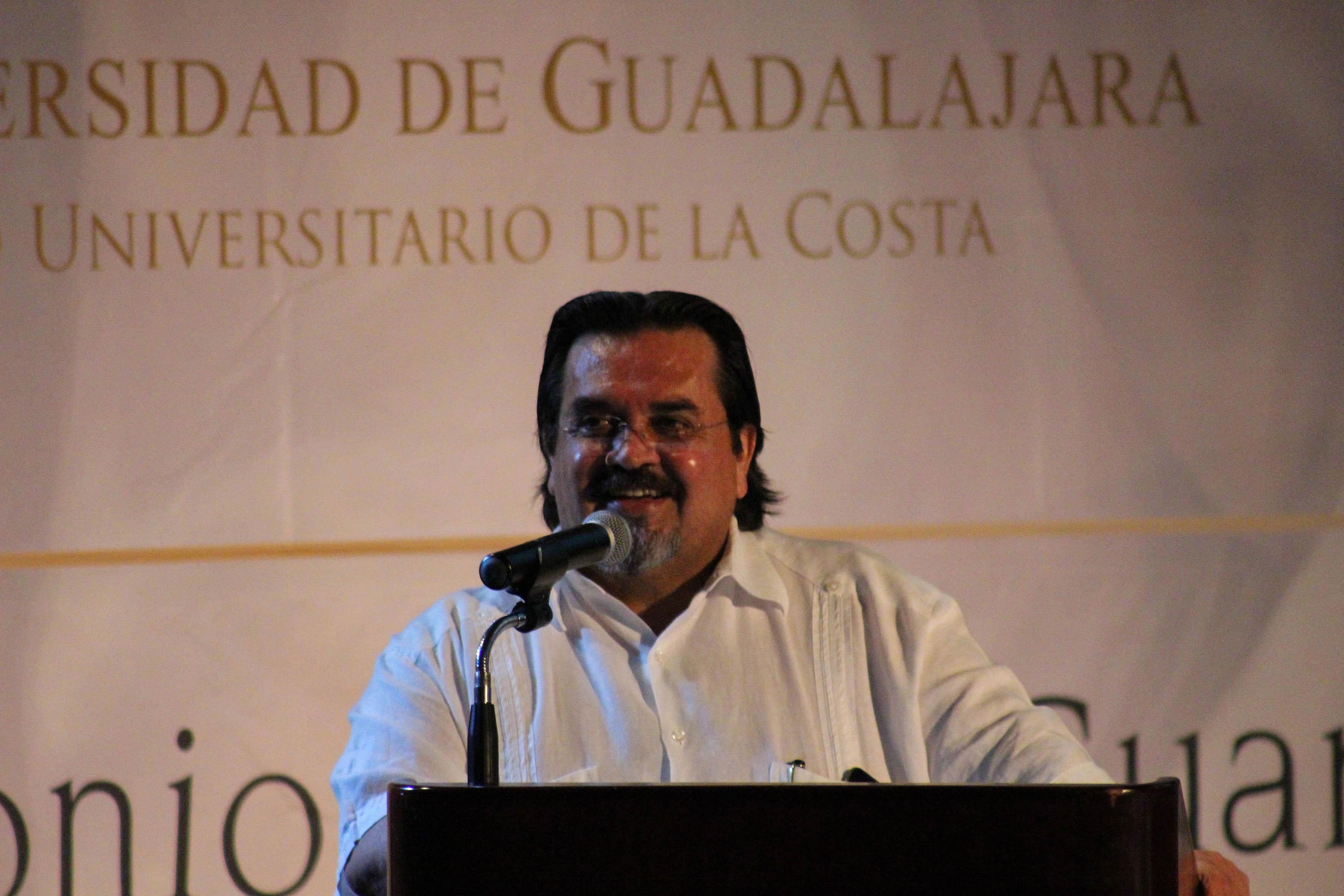 Dr. Marco Antonio Cortés Guardado al rendir protesta como Rector del CUCosta