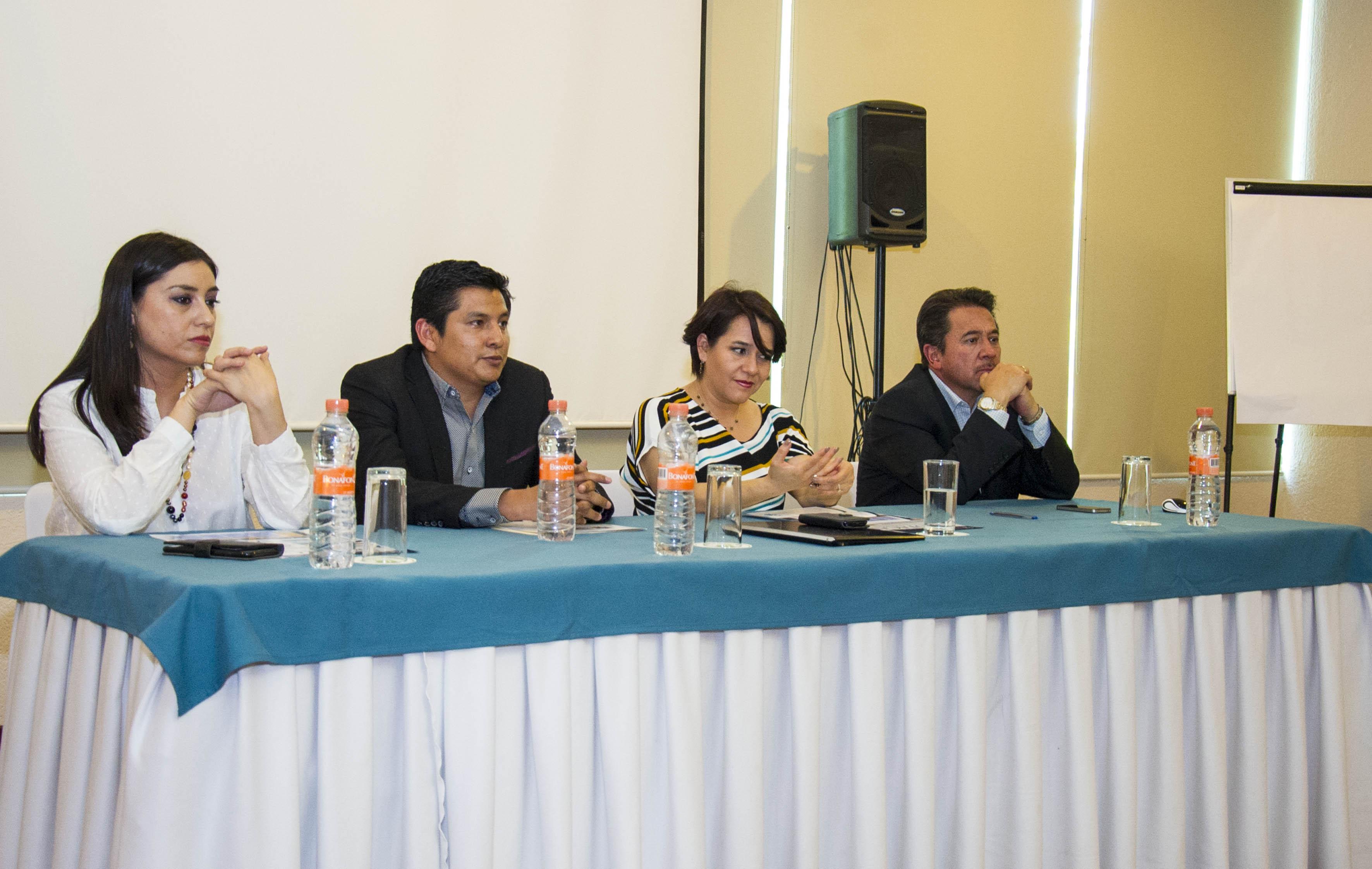 Panelistas participando en la inauguración del Programa de Formación, Actualización y Capacitación Docente (Profacad)