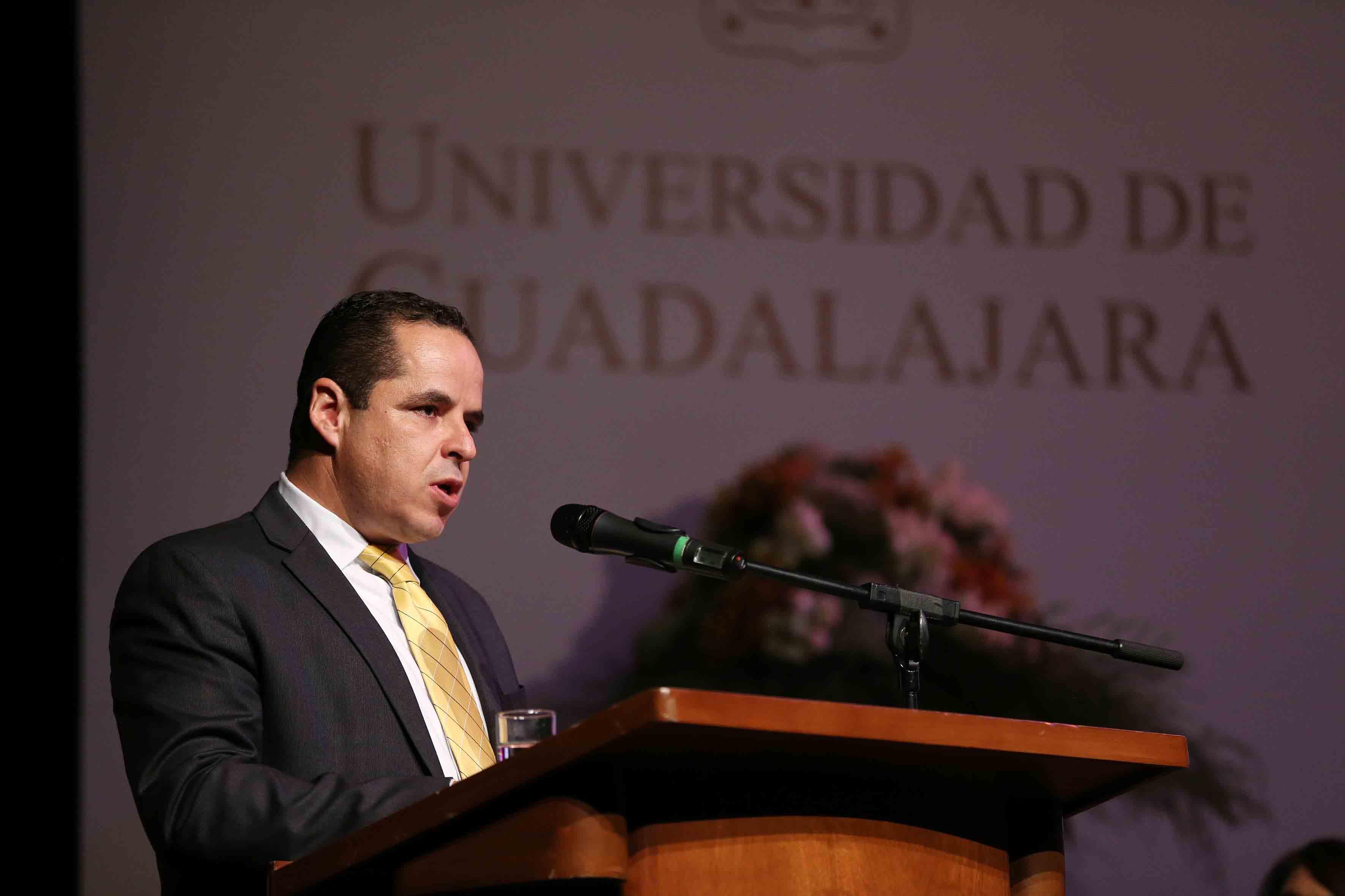 El maestro Enrique Velázquez González, secretario general del Sindicato de Trabajadores Académicos de la Universidad de Guadalajara