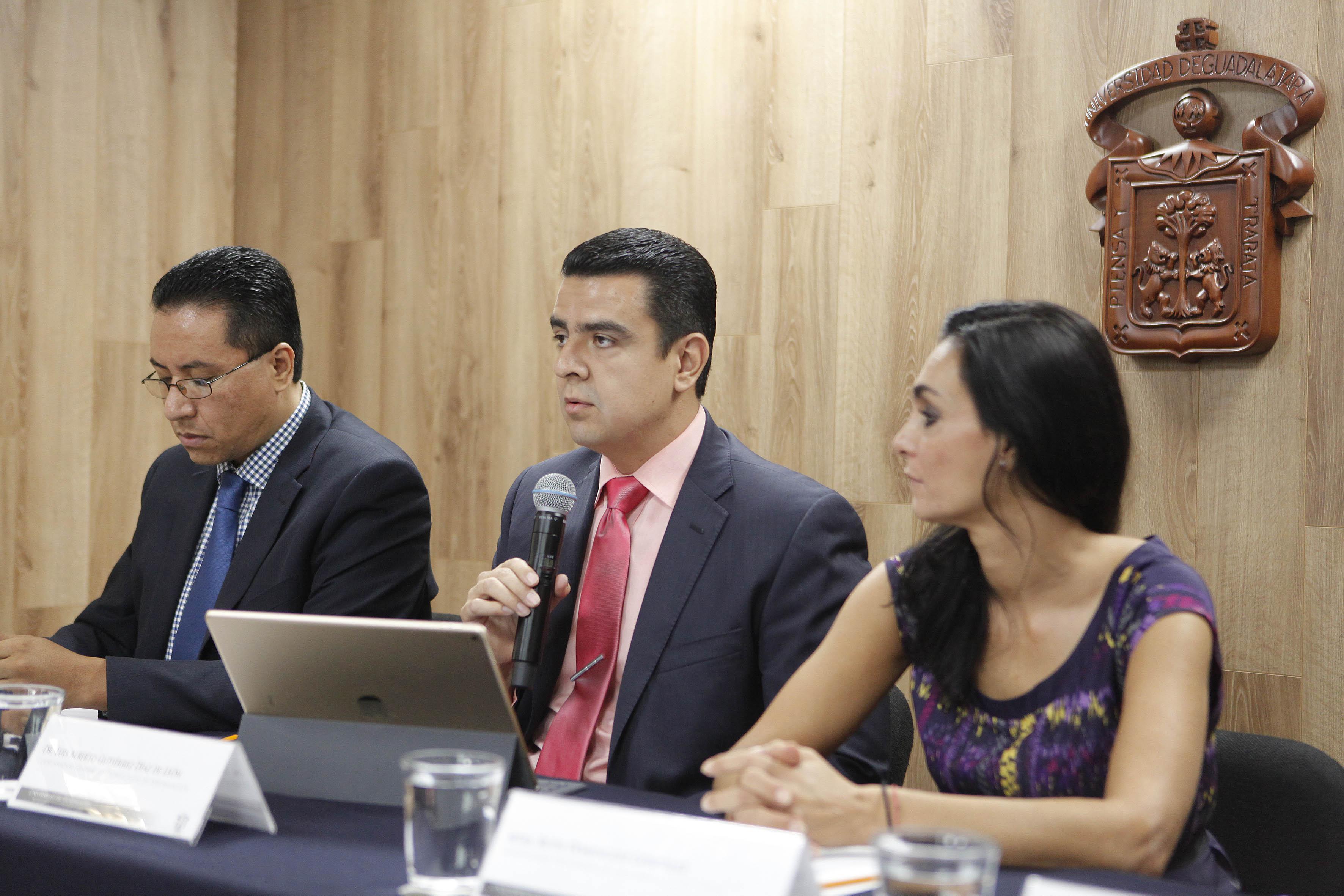 Dr. Luis Alberto Gutiérrez Díaz de León, haciendo uso de la palabra