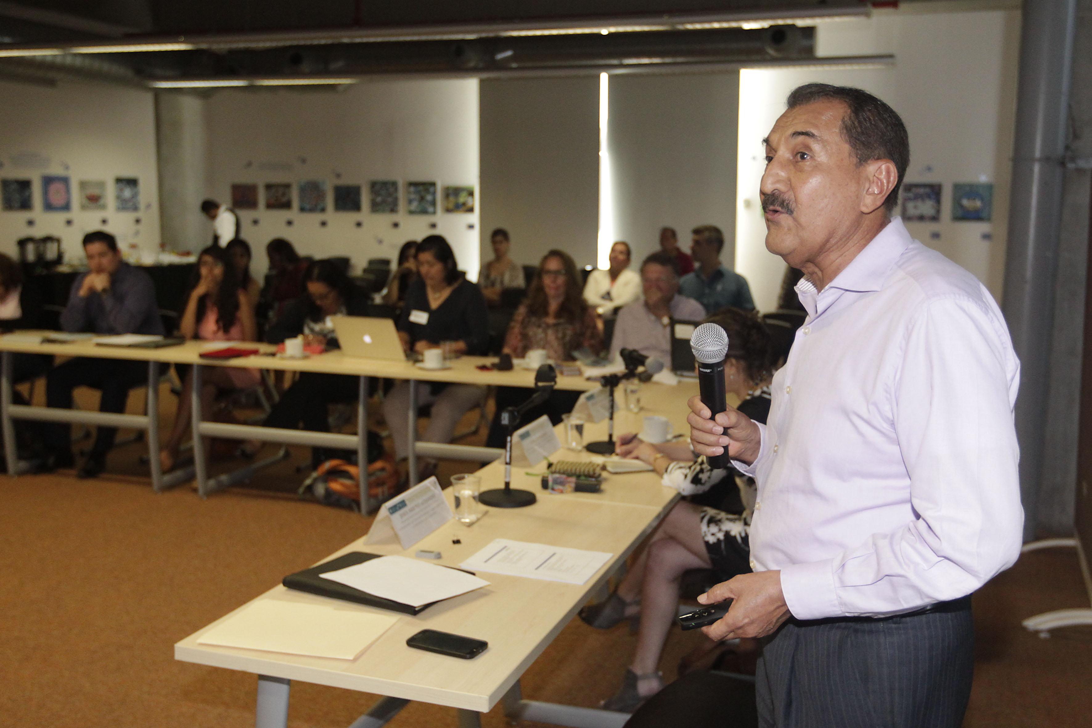 """Participantes al panel """"Agua, energía y medio ambiente"""""""