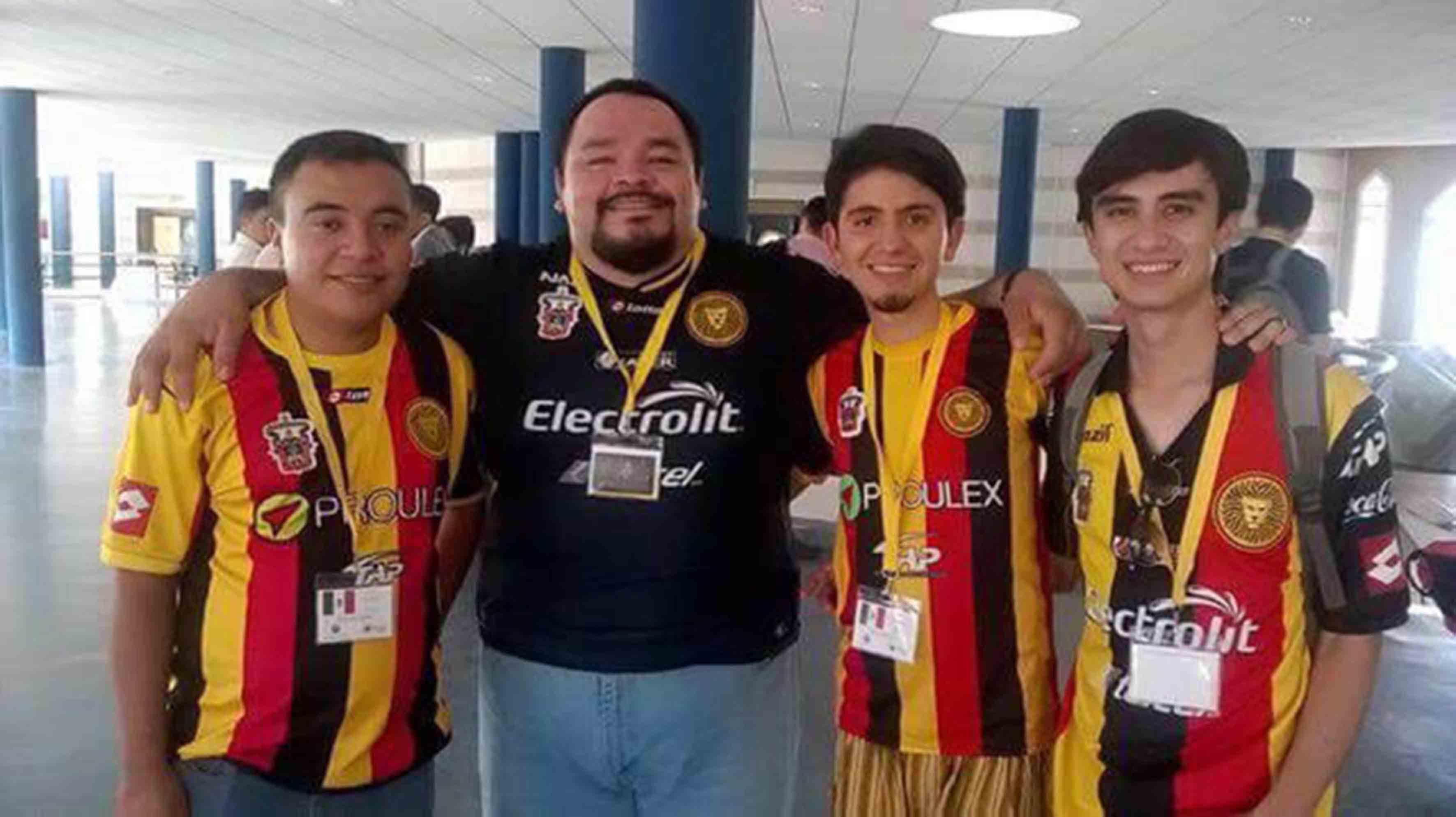 Participantes de la UdG, en el Campeonato Mundial de Debate Universitario en Español