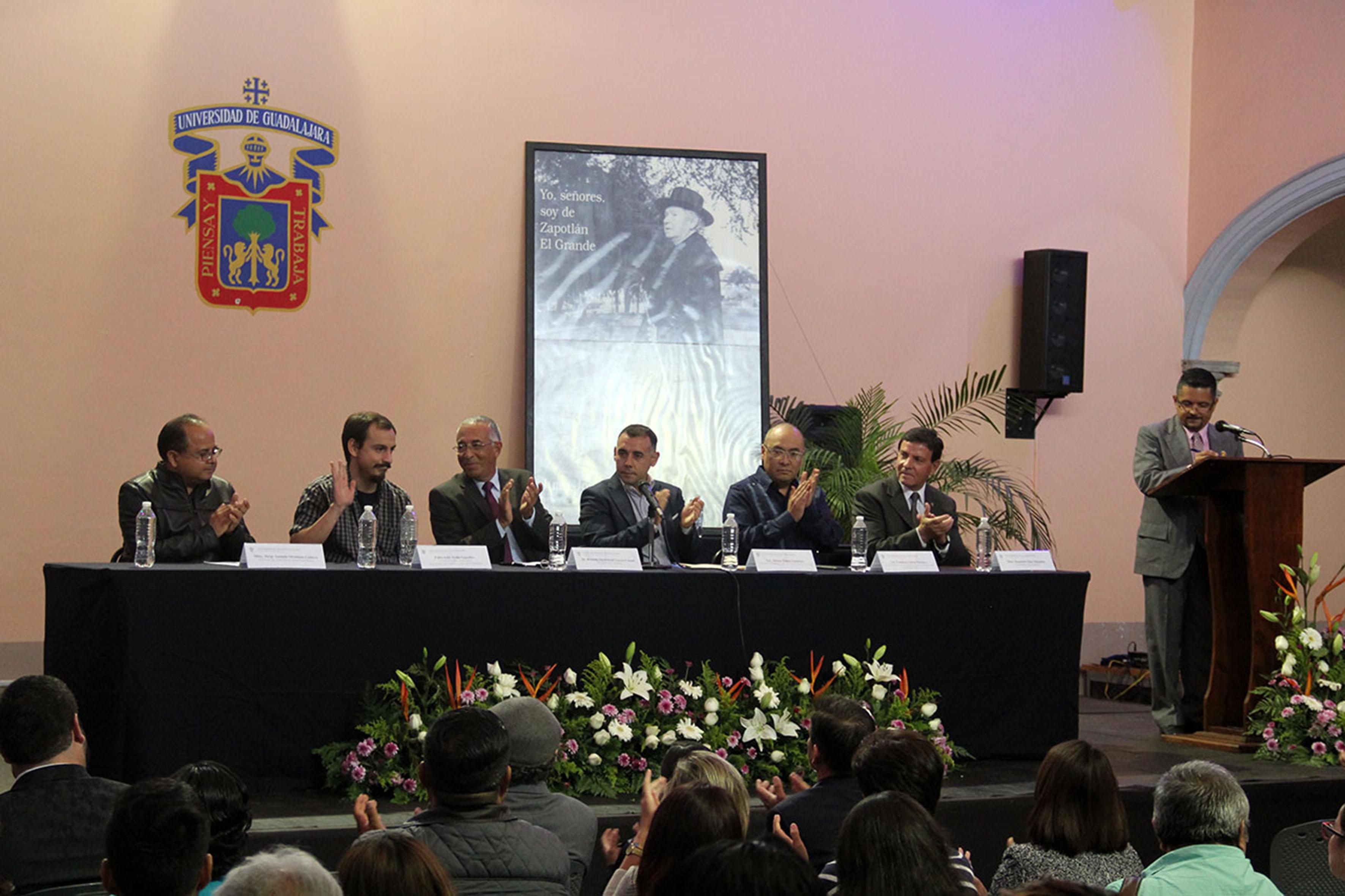 """Miembros del presidium del XV Concurso Nacional de Cuento """"Juan José Arreola"""""""