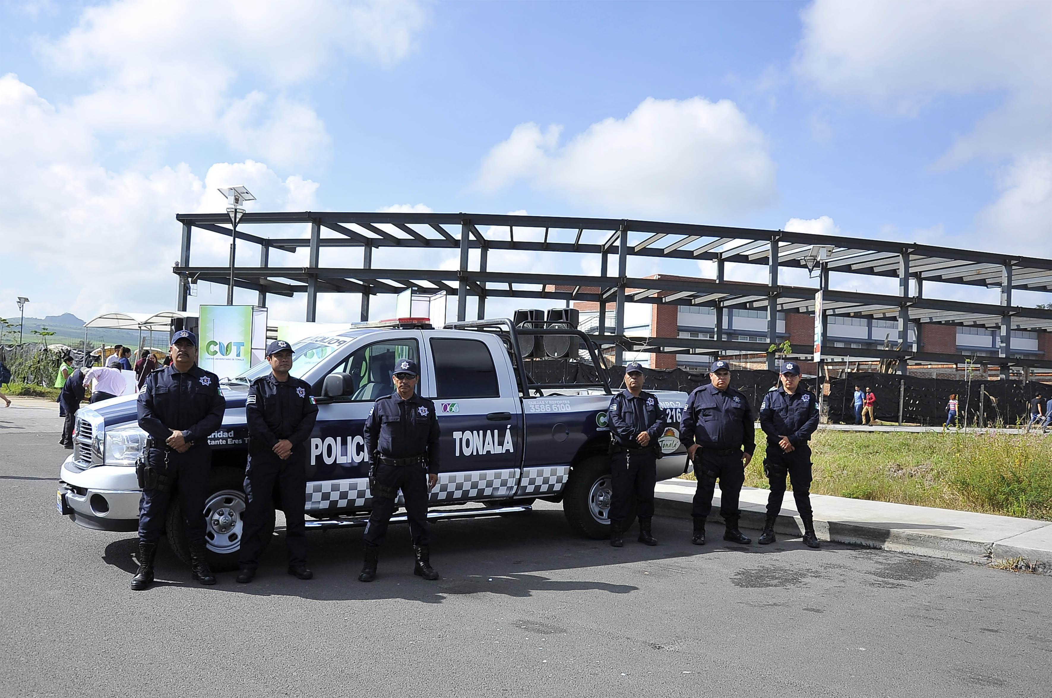 Presentación de la patrulla y 6 elementos de seguridad, que custodiarán al centro universitario y zonas aledañas.