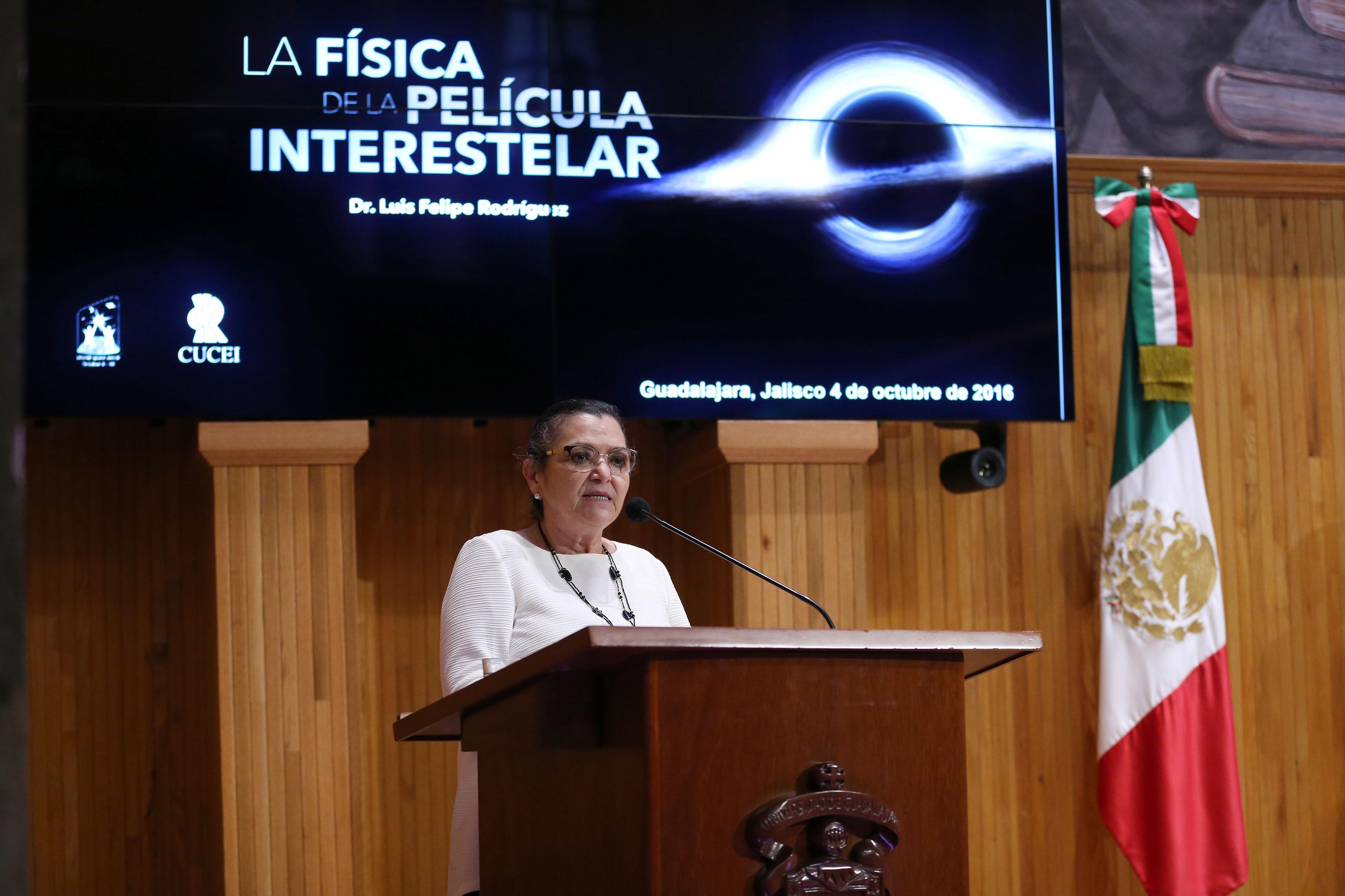 La Rectora del Centro Universitario de Ciencias Exactas e Ingenierías, doctora Ruth Padilla Muñoz
