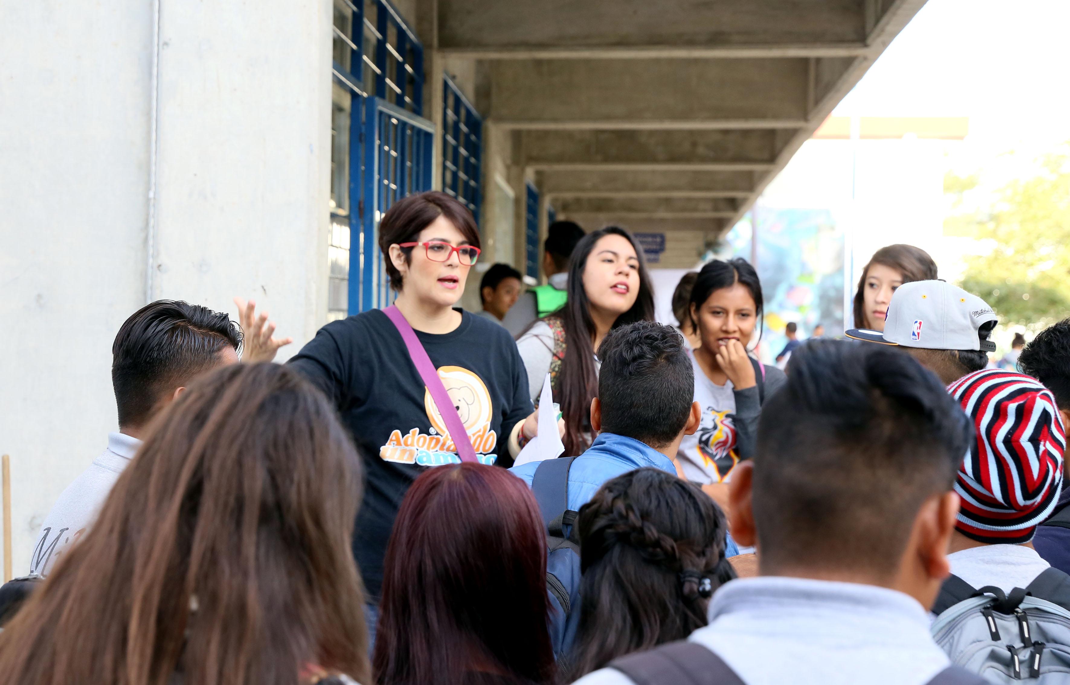 Personas participando en el programa de esterilización