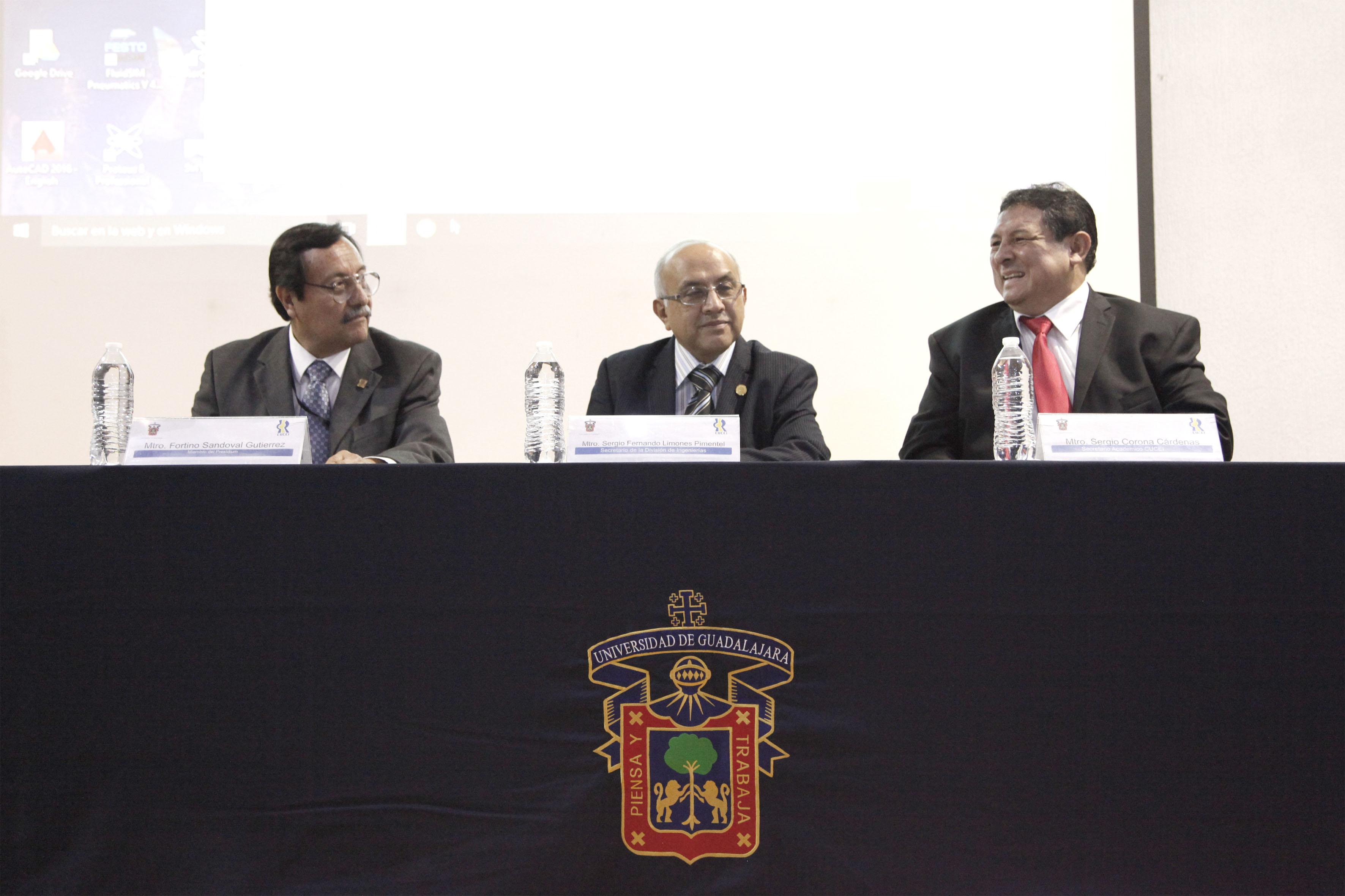 Miembros del presídium, participando en la ceremonia inaugural del XXV Expodime