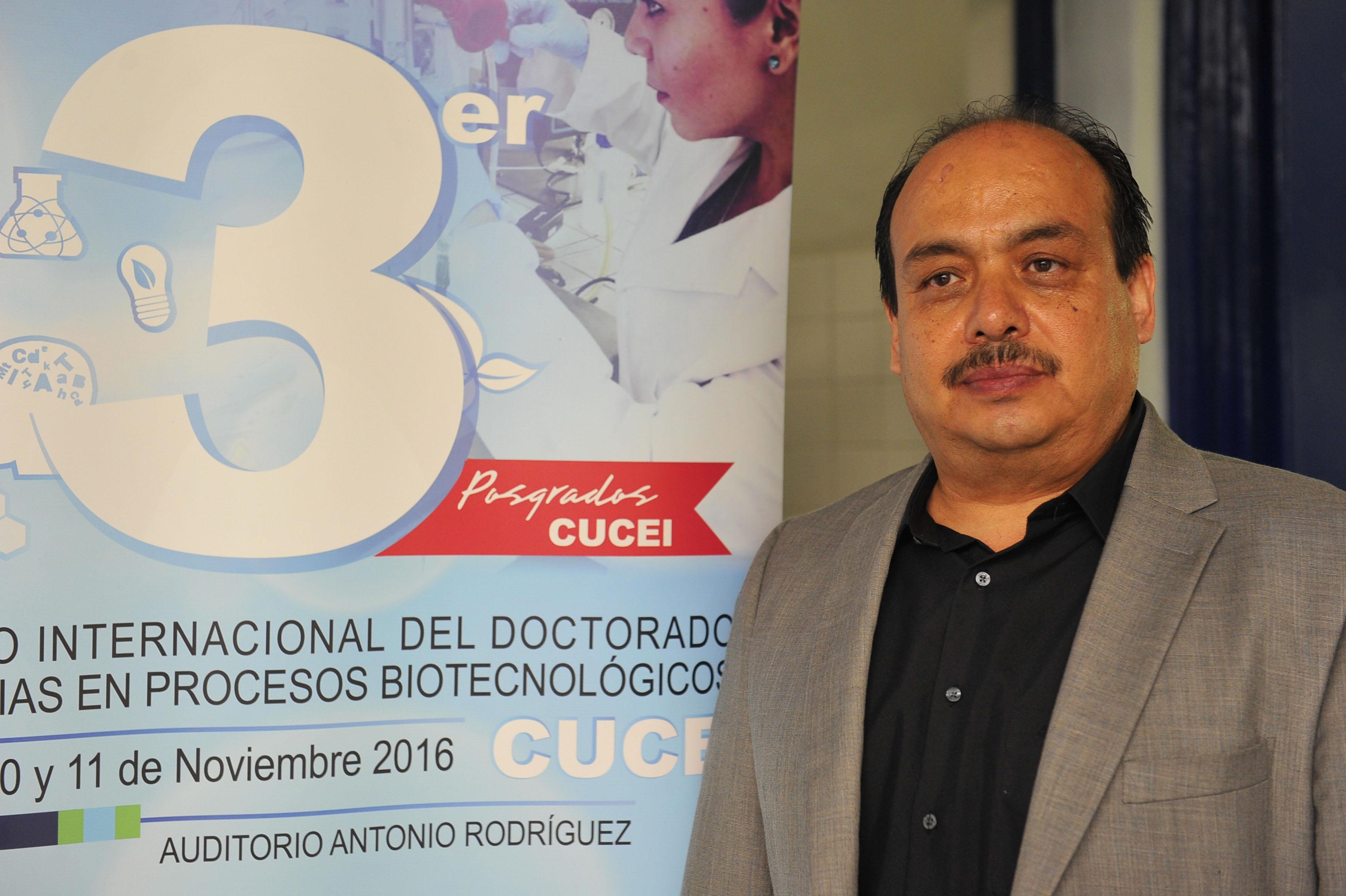 Dr Orfil González Reynoso participando en la inauguración del 3er Simposio Internacional del Doctorado en Ciencias en Procesos Biotecnológicos, organizado por el Centro Universitario de Ciencias Exactas e Ingenierías (CUCEI)