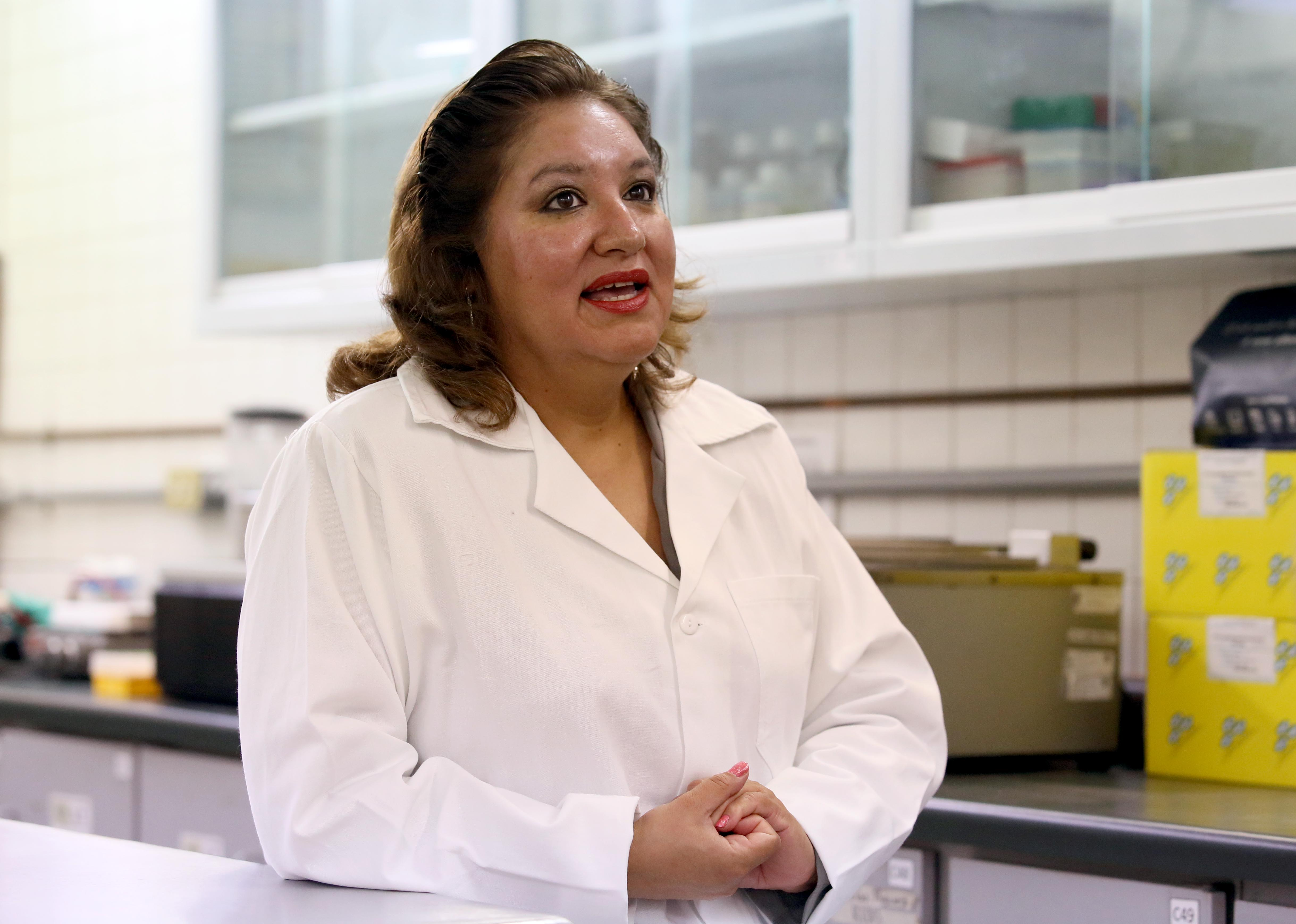 Dra. Sandra Luz Ruiz Quezada,  investigadora del Departamento de Farmacobiología