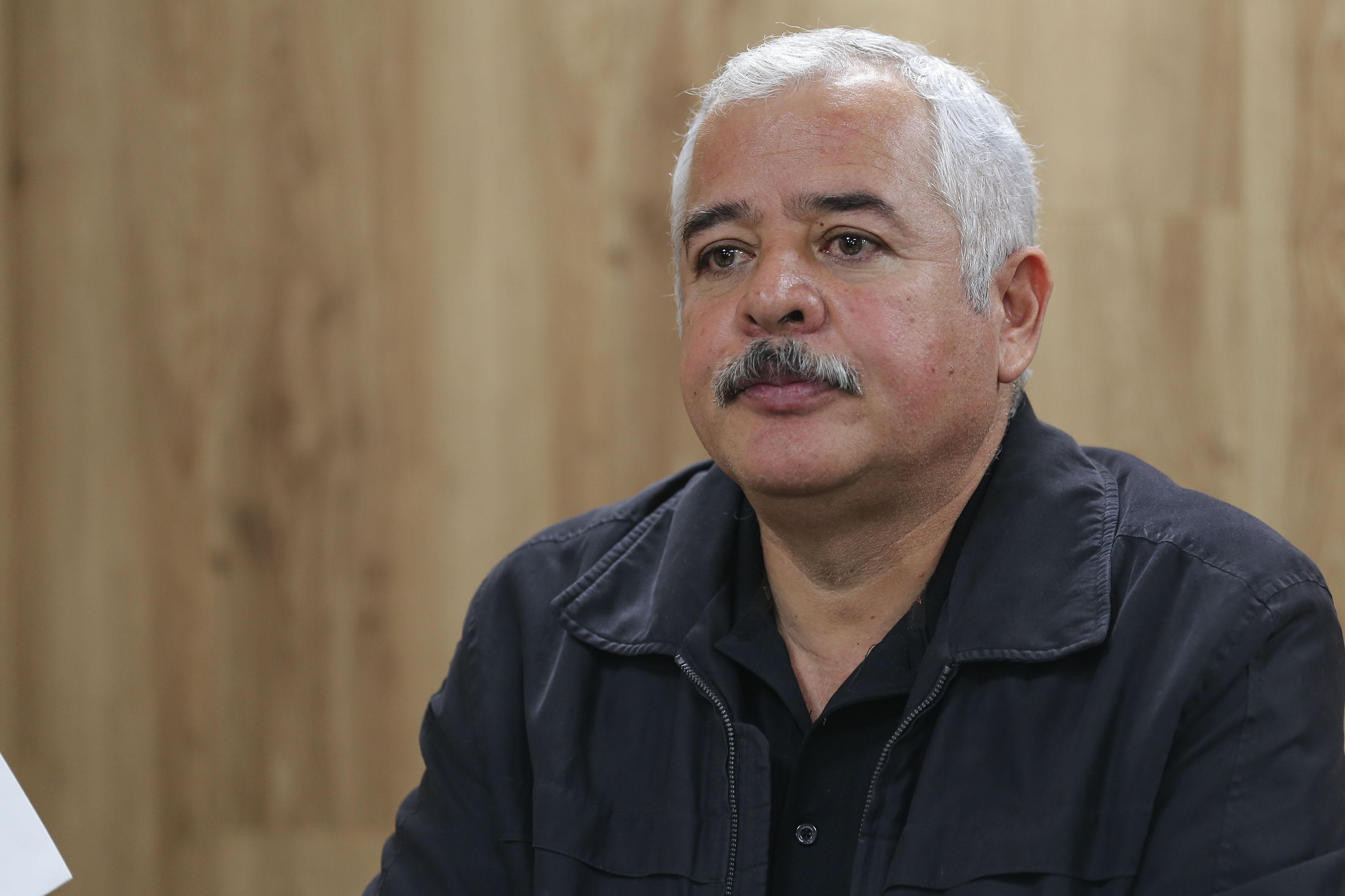 Geógrafo maestro Luis Valdivia Ornelas durante rueda de prensa