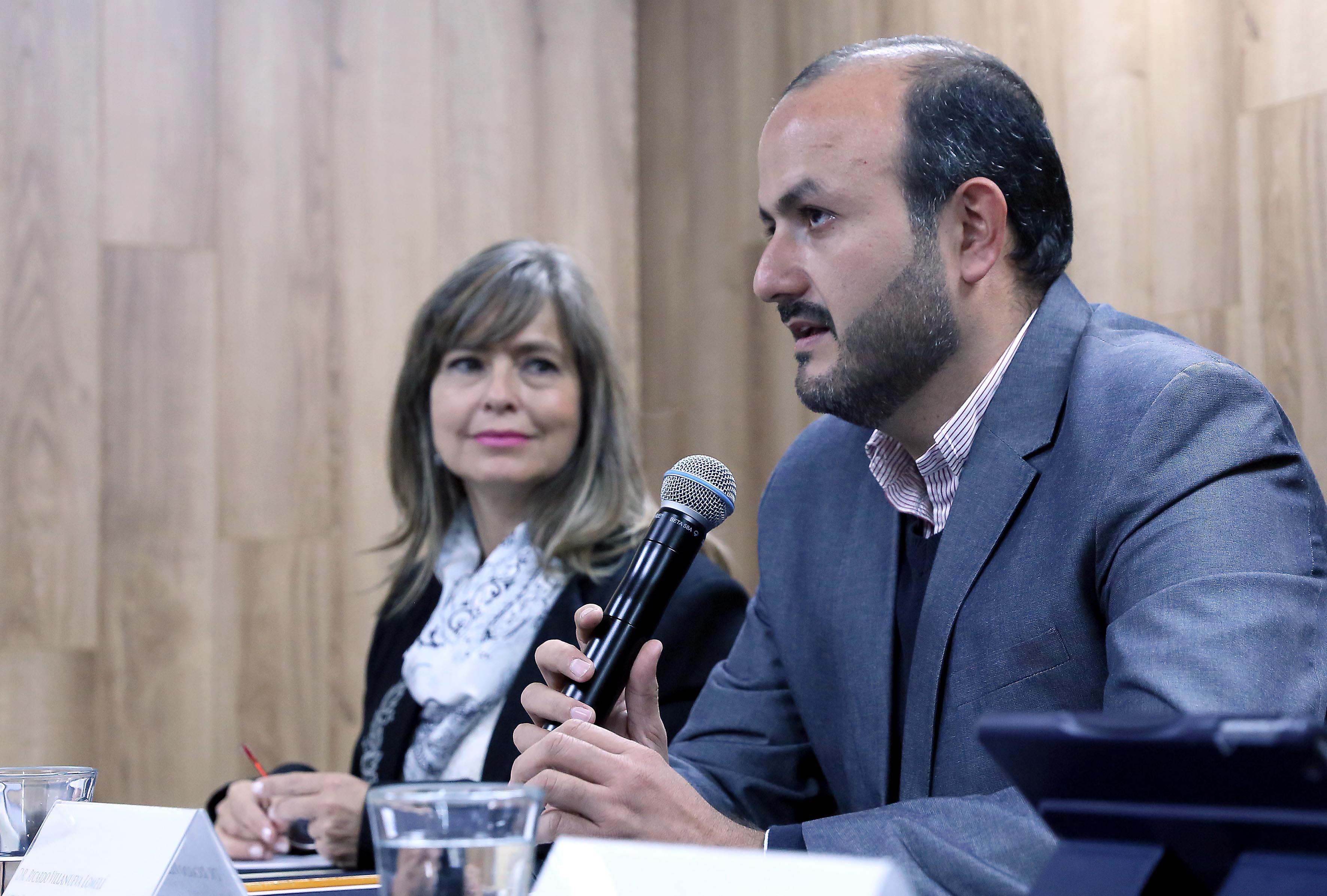 En uso de la voz en doctor Ricardo Villanueva Lomelí, Rector del Centro Universitario de Tonalá