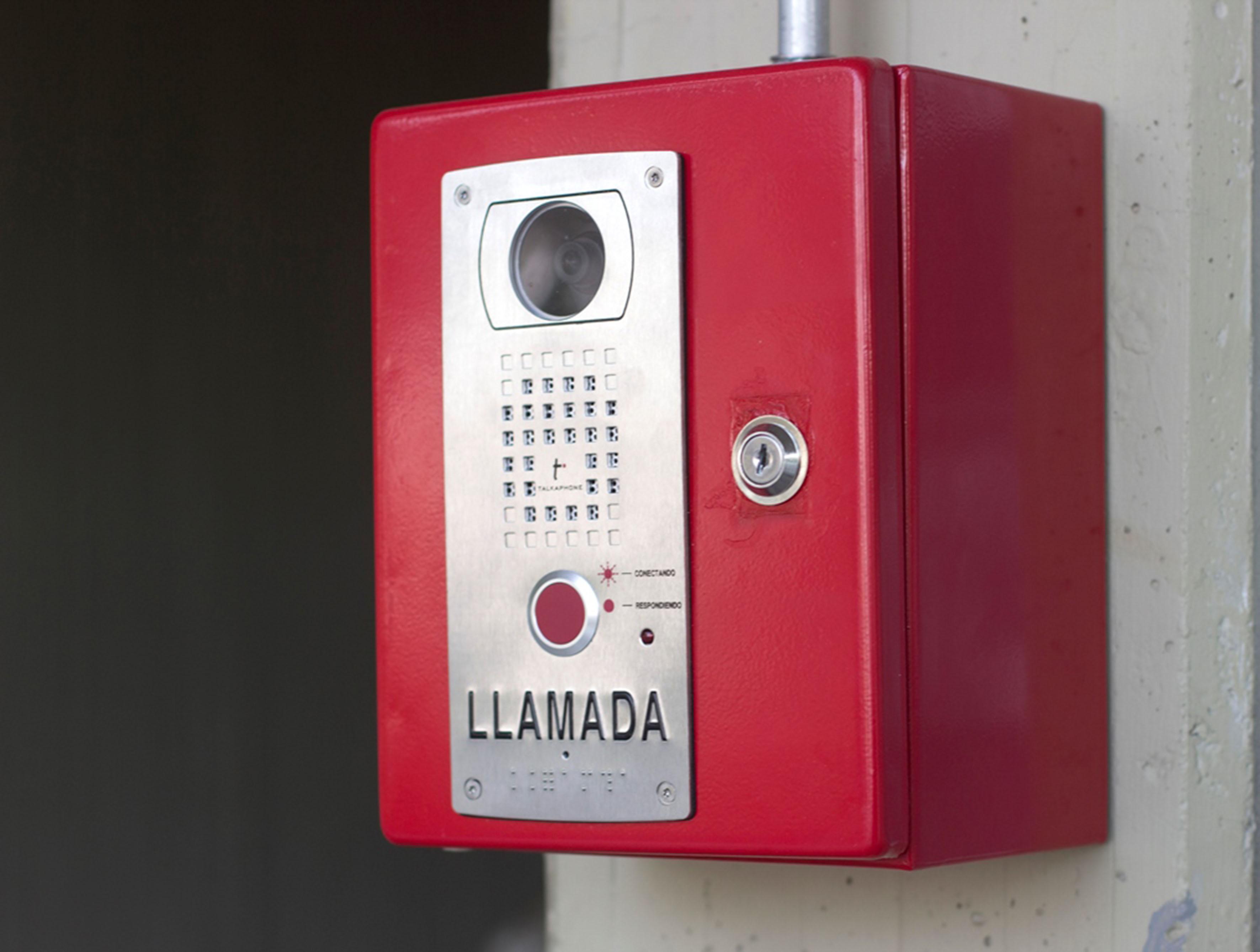 Activan tel fonos de emergencia al interior del cuaad for Telefono informacion ministerio interior