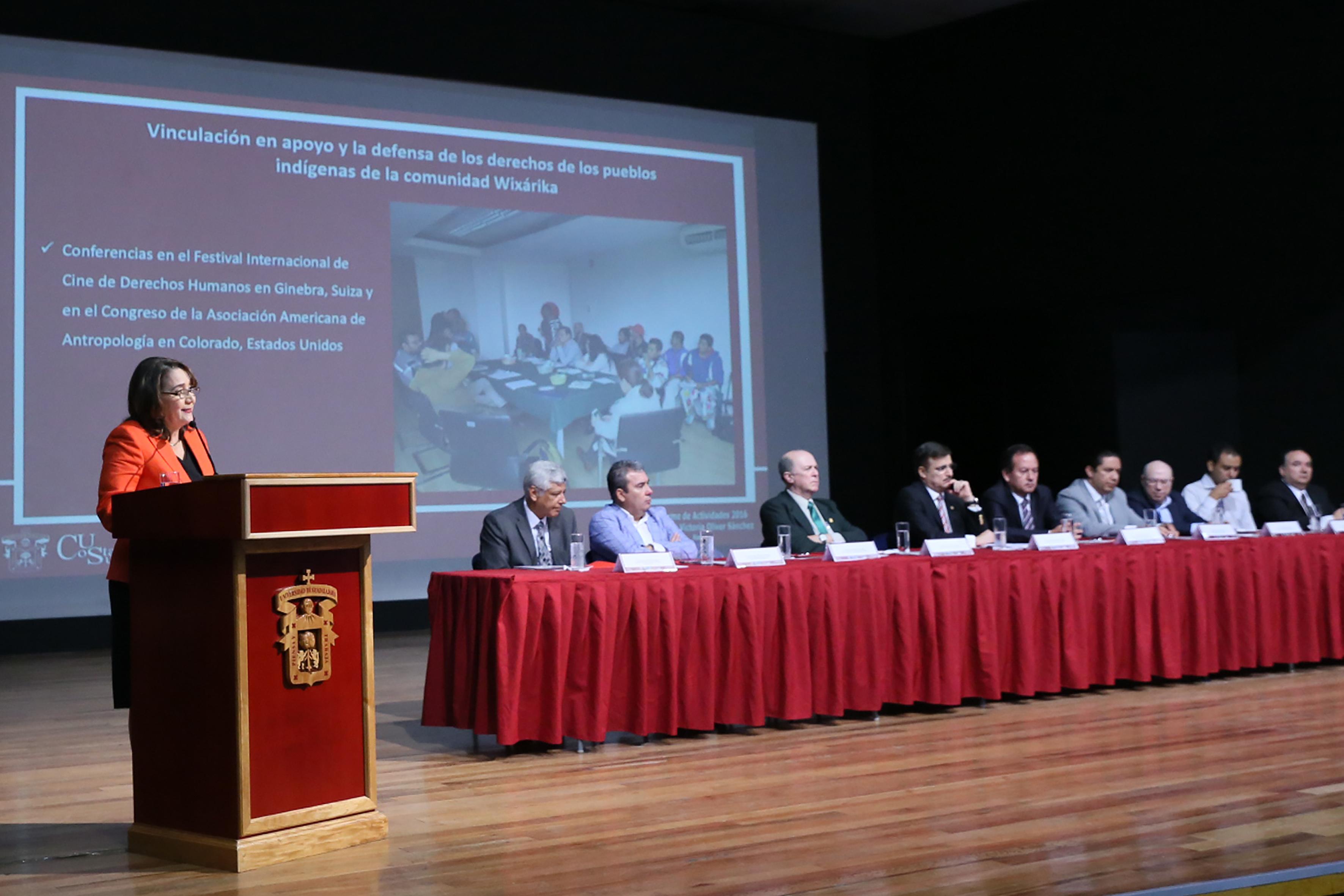 Rectora Dra. Lilia Victoria Oliver Sánchez, en su informe de actividades del 2016.